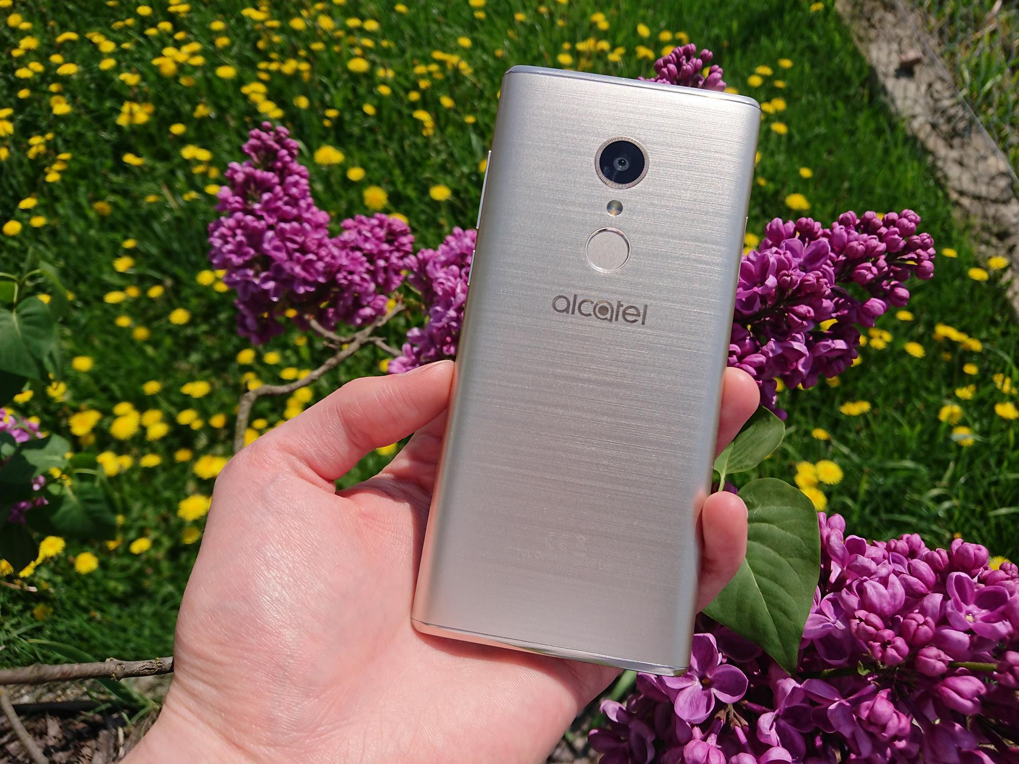 Recenzja Alcatela 5. To sprzęt, który w swojej kategorii cenowej zawstydzi niejednego smartfona 16