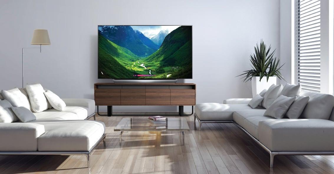 Planujesz kupić telewizor? Idealny moment właśnie nadchodzi. A oto zestawienie najciekawszych modeli 27