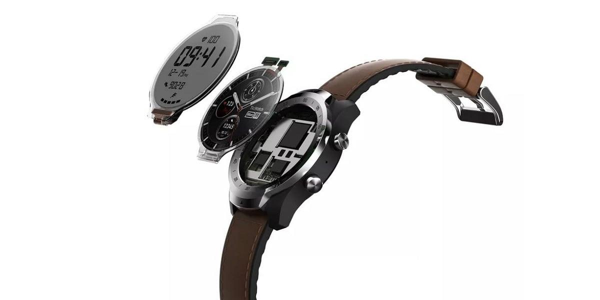TicWatch Pro jest wyjątkowym smartwatchem z Wear OS. Dlaczego? Ponieważ ma dwa wyświetlacze 18
