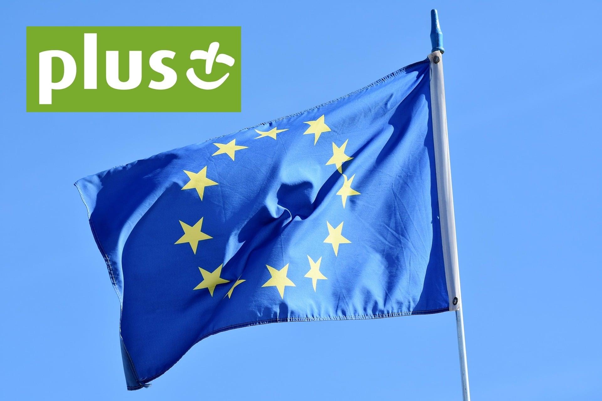 A jednak: Plus zacznie doliczać dodatkowe opłaty w roamingu w UE także użytkownikom ofert na kartę 18