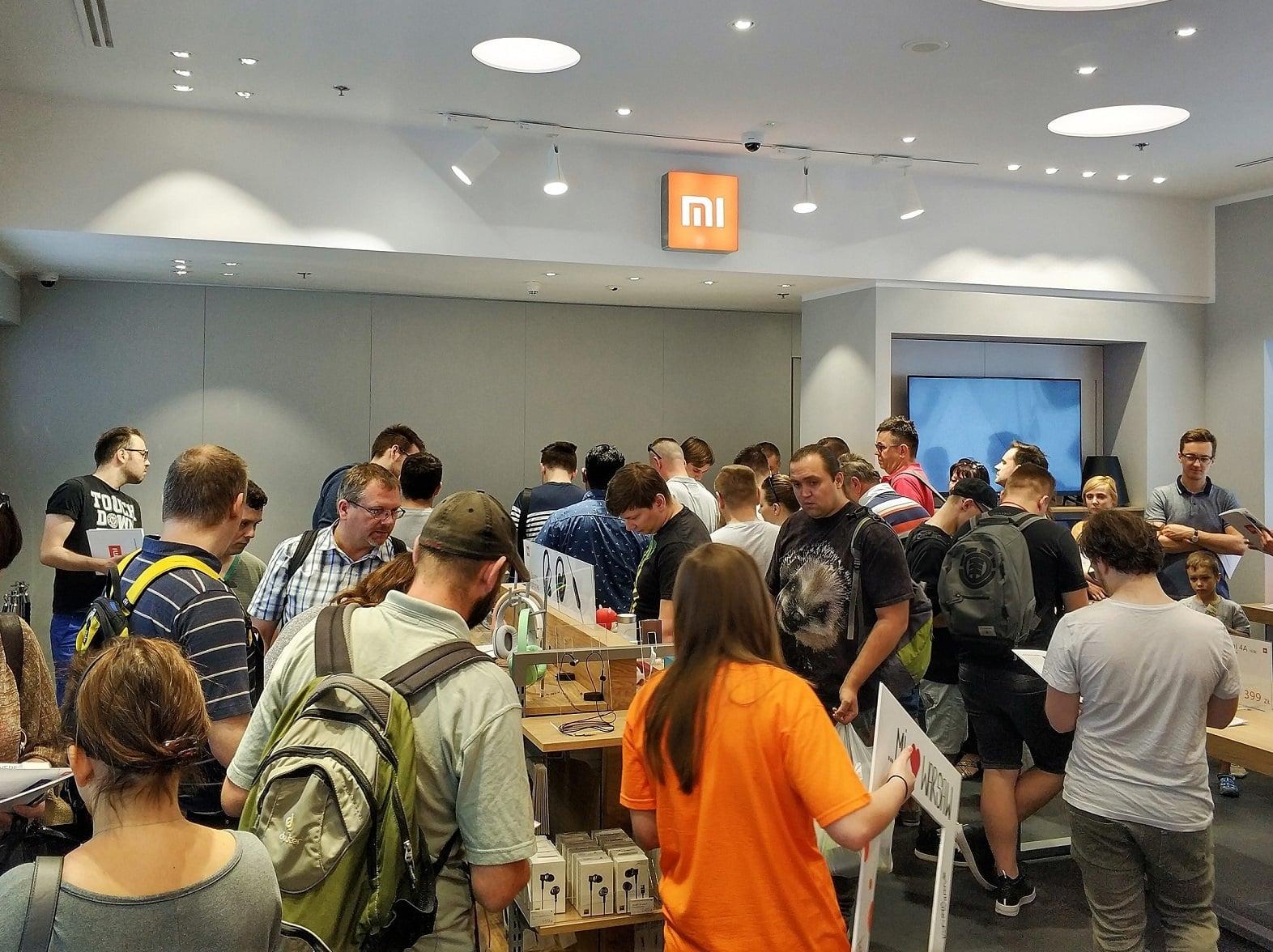 Tabletowo.pl Sklep Xiaomi Mi Store w warszawskiej Arkadii w dniu otwarcia odwiedziło niemalże 2800 osób! Raporty/Statystyki Xiaomi