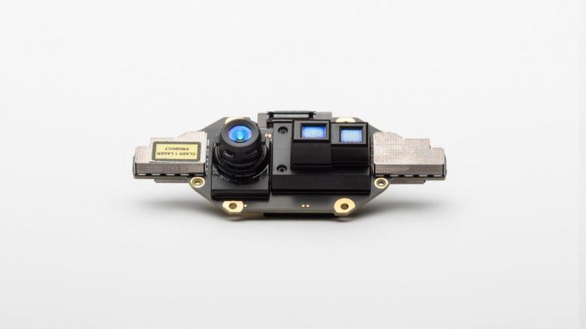 Tabletowo.pl Kinect powrócił. Nowe wcielenie czujnika ruchu Microsoftu nie przysłuży się już konsolom, ale pomoże Internetowi Rzeczy Microsoft Nowości Rozszerzona rzeczywistość Sprzęt