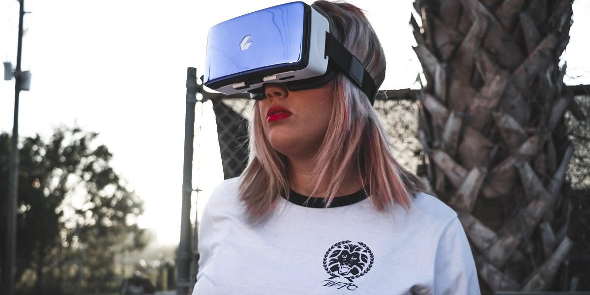 Jeżeli lubicie wirtualną rzeczywistość, to Google i LG mają coś dla Was - 1443 pikseli na cal przed samymi oczami 23