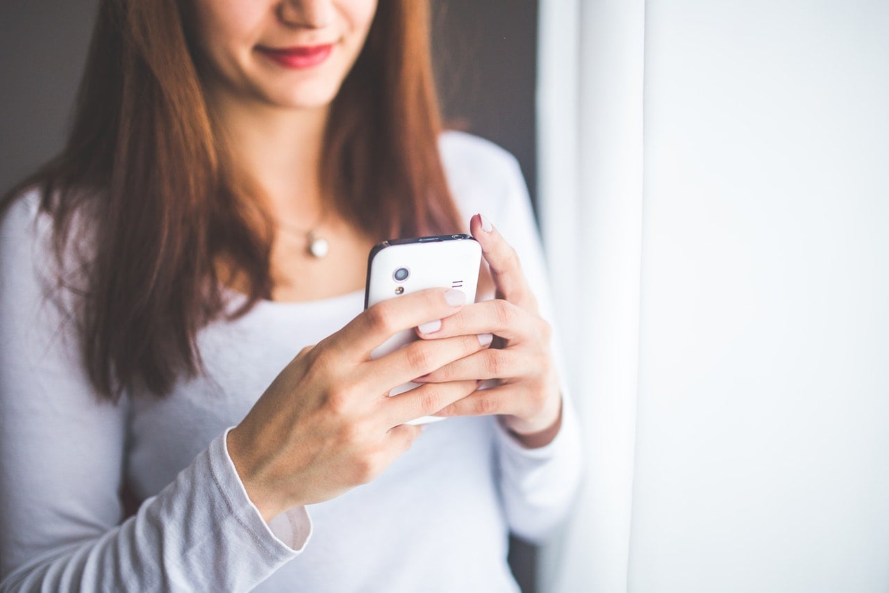 """""""Kobiety to najcenniejsi gracze"""". Są o 79 procent bardziej skłonne do wydawania pieniędzy w grach mobilnych niż mężczyźni 18"""