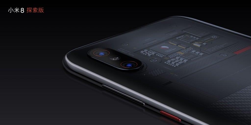 Tabletowo.pl Xiaomi oszukuje? Płyta główna za półprzezroczystymi pleckami w Mi 8 Explorer Edition nie robi absolutnie nic Smartfony Xiaomi