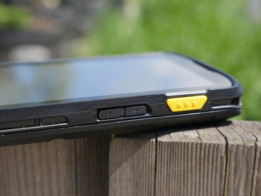 Tabletowo.pl Smartfon dla przemysłu vs smartfon dla mas - pojedynek, w którym Zebra TC25 wygrywa Android Recenzje Smartfony