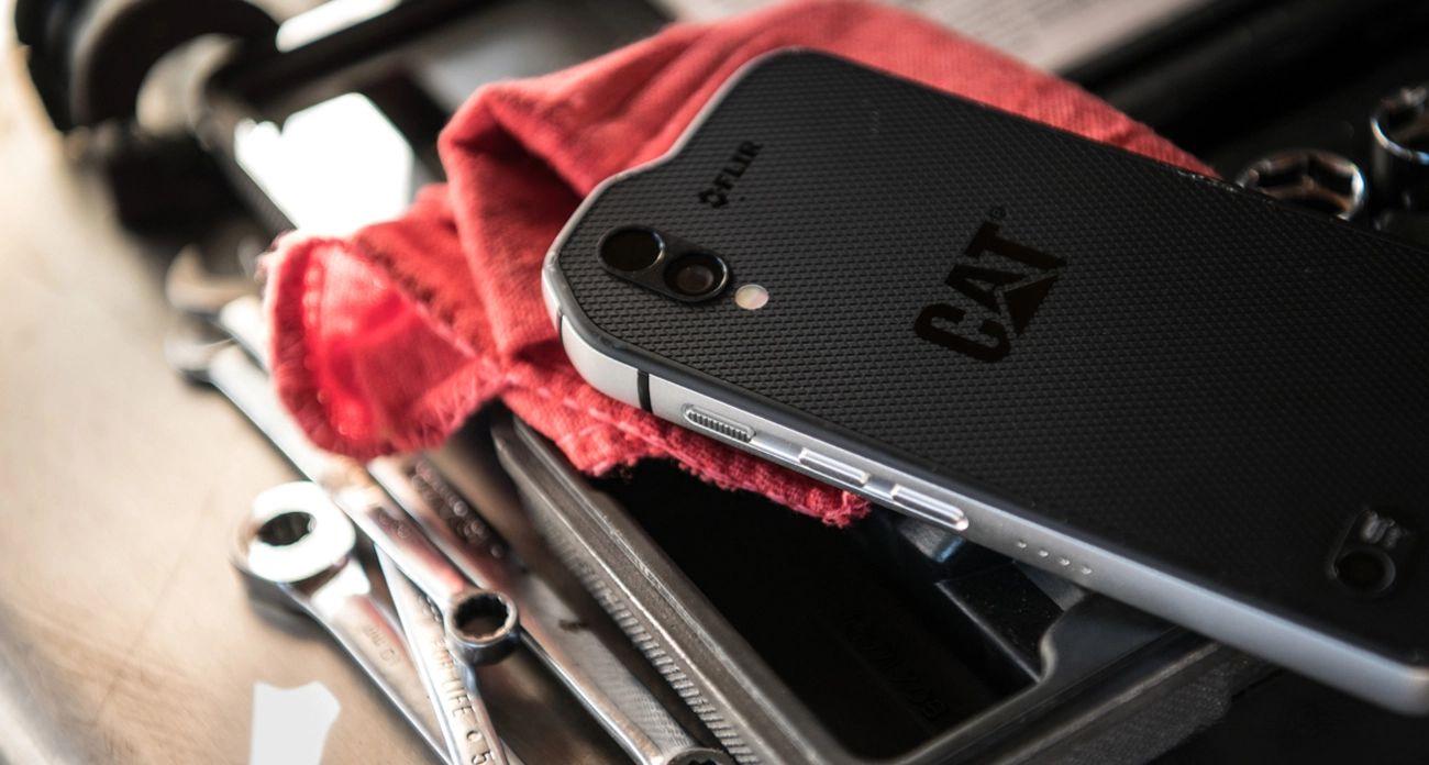 Tabletowo.pl Ten smartfon to nie flagowiec, a kosztuje prawie 4000 złotych. Oferuje jednak więcej niż iPhone X za 5 tysięcy Android Smartfony