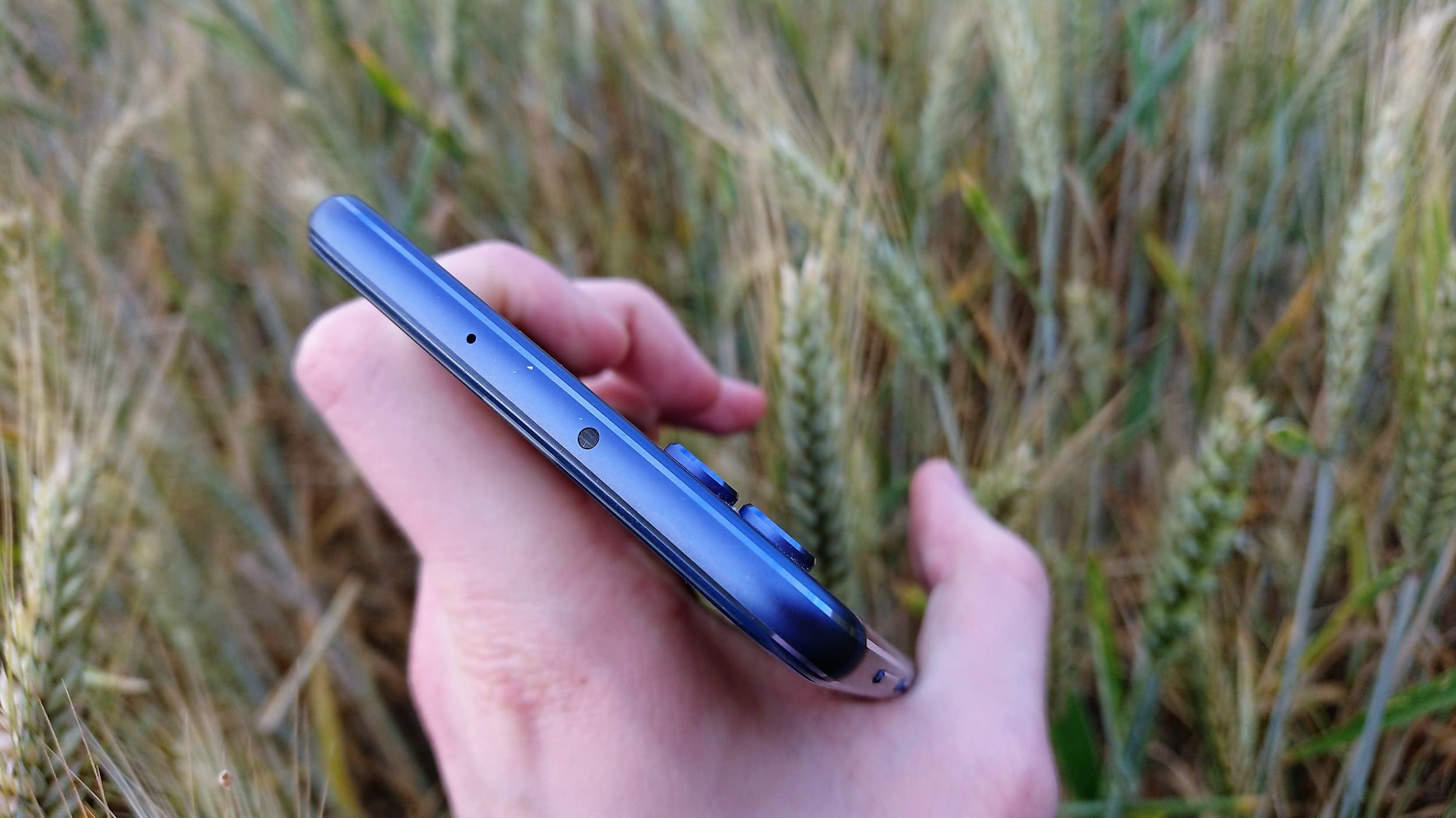 Tabletowo.pl Recenzja Honora View 10. W tej kategorii cenowej trudno o lepszy smartfon Android Huawei Recenzje Smartfony