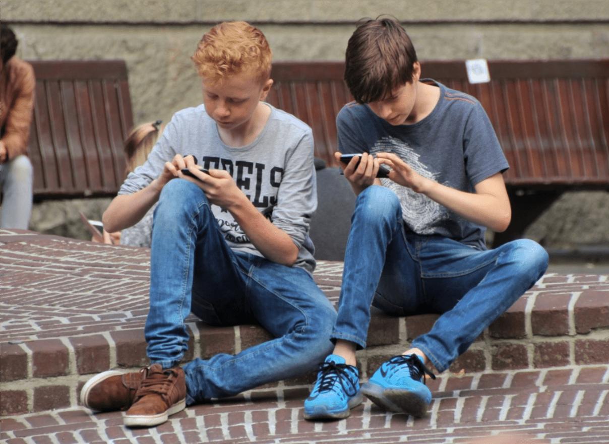 Gry randkowe do pobrania na urządzenia mobilne