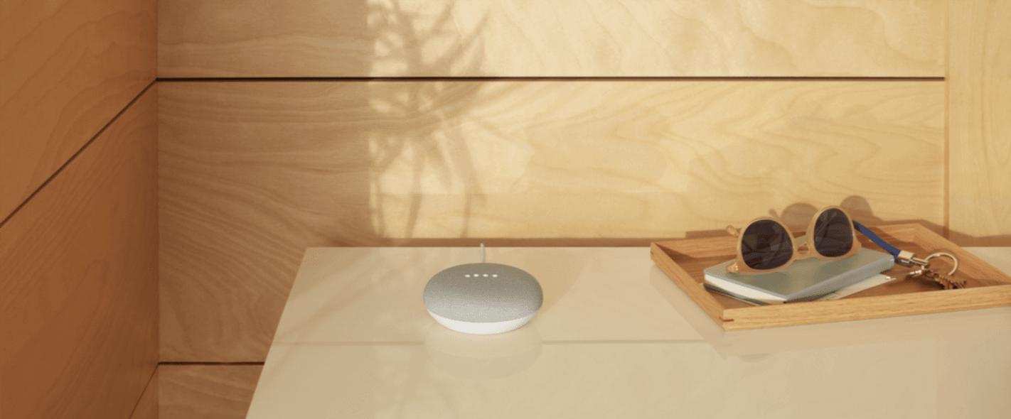 Tabletowo.pl Jak działa symultaniczne tłumaczenie mowy na głośniku Google Home Mini? Asystenci głosowi Google Smart Home