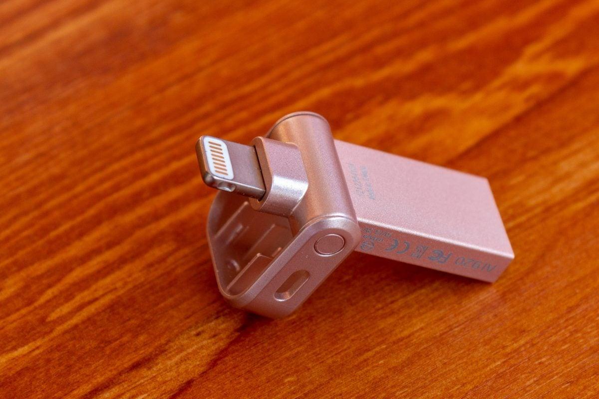 Tabletowo.pl Unia Europejska nie lubi złącza Lightning, bo Apple złamało obietnicę Akcesoria Apple
