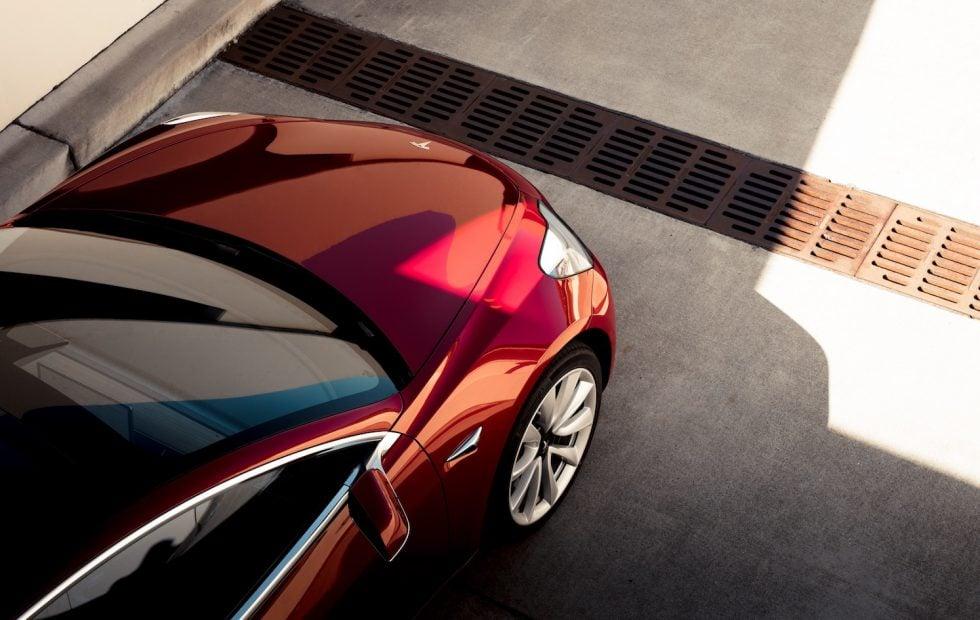 Tabletowo.pl Elon Musk dotrzymał słowa - Tesla wyprodukowała 7000 samochodów w ciągu tygodnia Moto