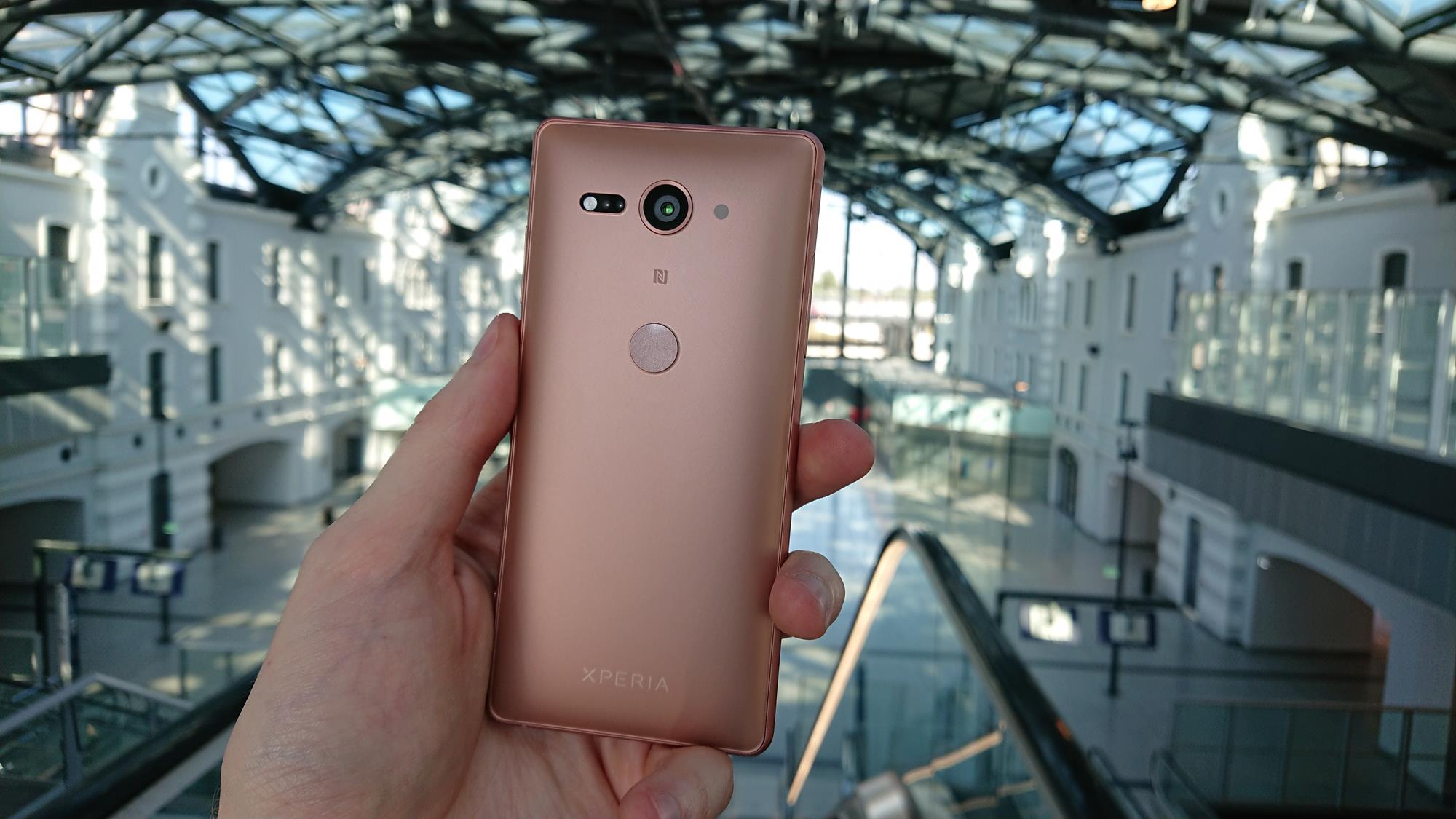 Tabletowo.pl Mniejszy nie znaczy gorszy - recenzja Sony Xperia XZ2 Compact Android Recenzje Smartfony Sony