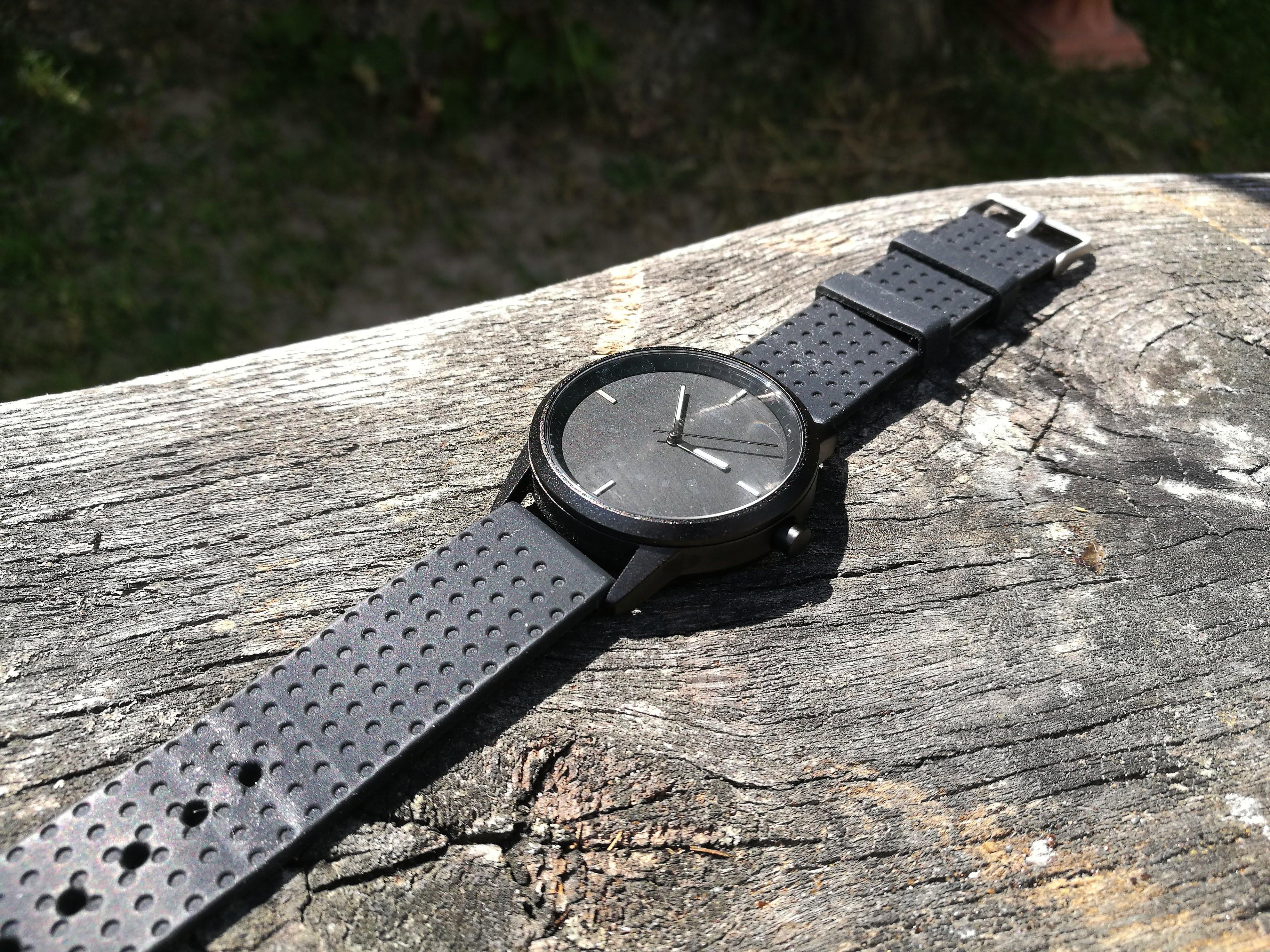 To chyba najczęściej opisywany zegarek na Tabletowo, i znów jest w promocji. Lenovo Watch 9 za 70 złotych 21