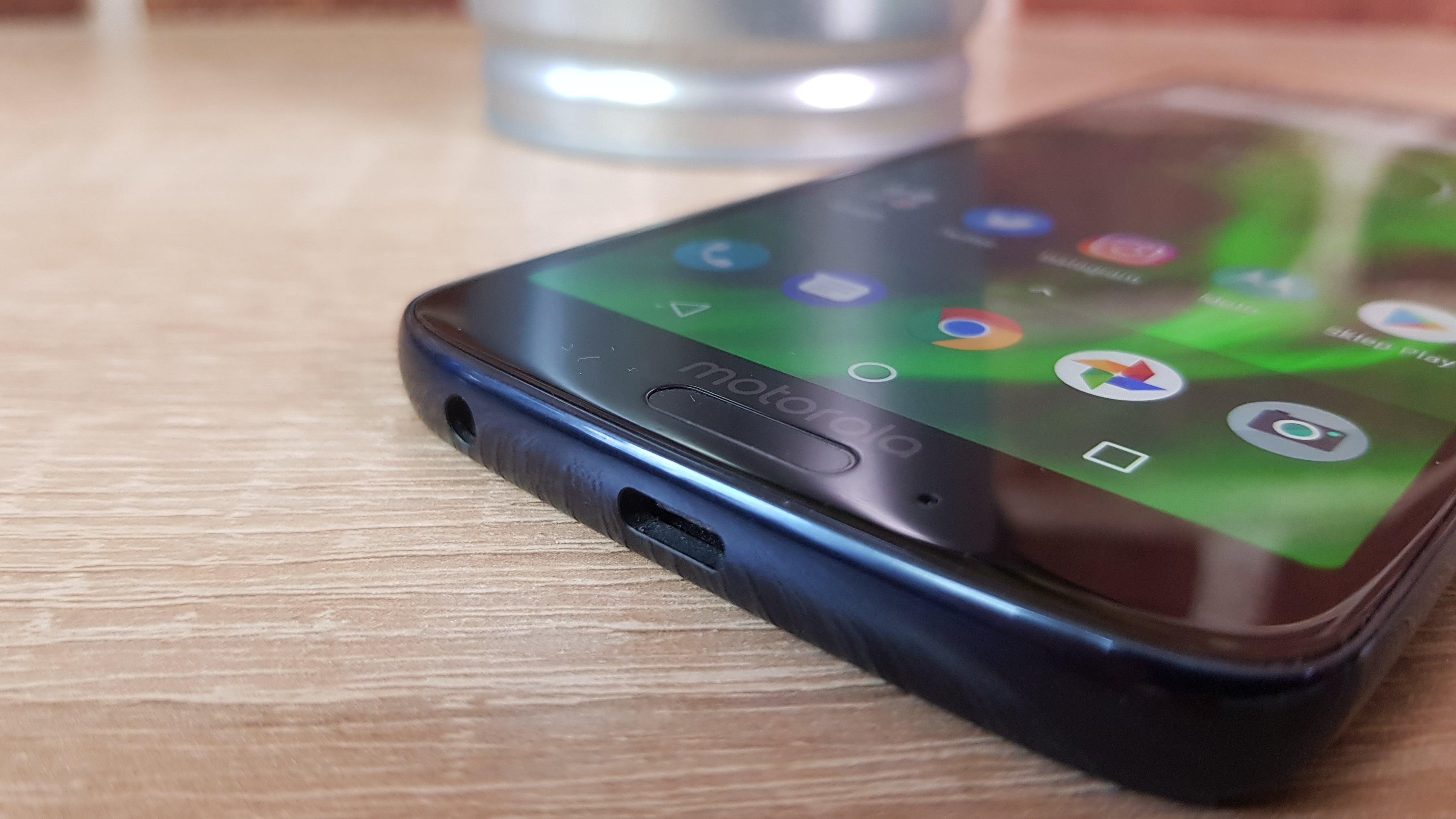Tabletowo.pl Jaki smartfon kupić do 1100 złotych? (sierpień 2018) Co kupić Nasz wybór Smartfony Zestawienia