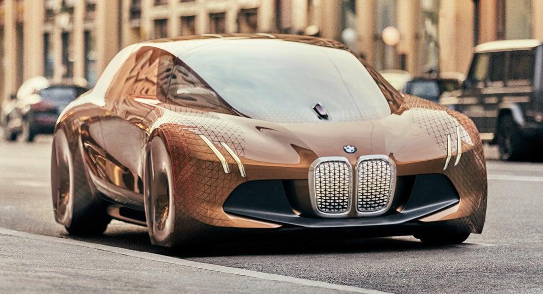 BMW rozwija systemy autonomicznej jazdy, ale ich przyszłość widzi w niekoniecznie różowych barwach 22
