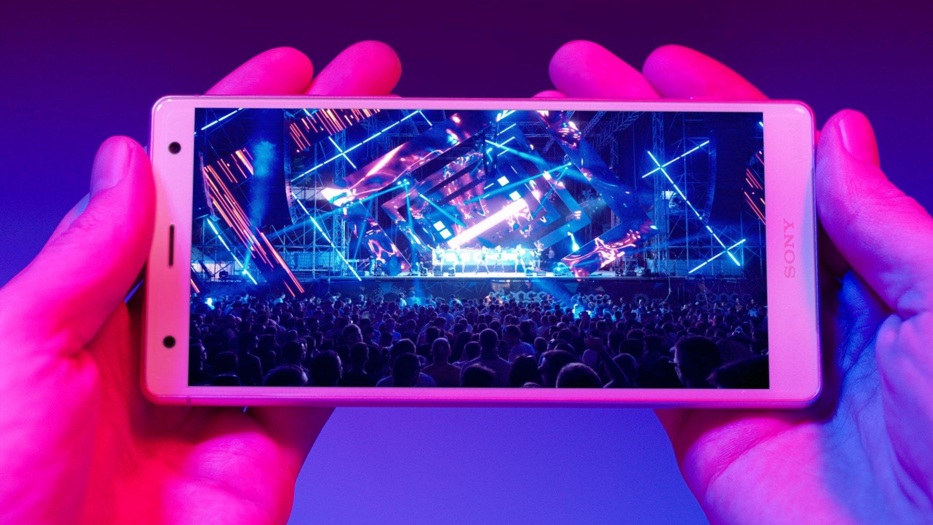 Sony Xperia XZ2 - multimedialne trzy razy tak 20