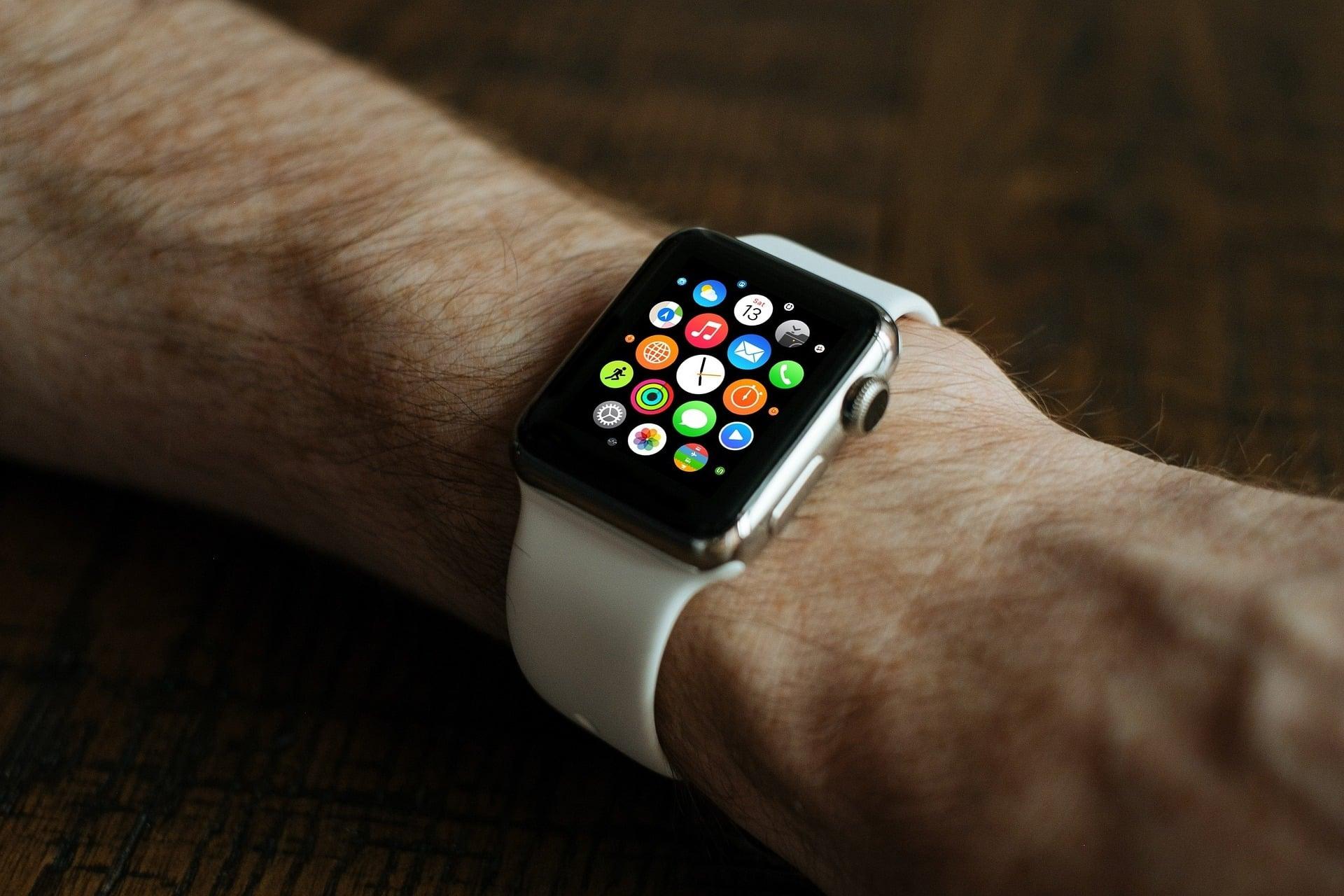 Konkurencja może tylko patrzeć z zazdrością na Apple - co druga osoba kupuje bowiem Apple Watcha 30