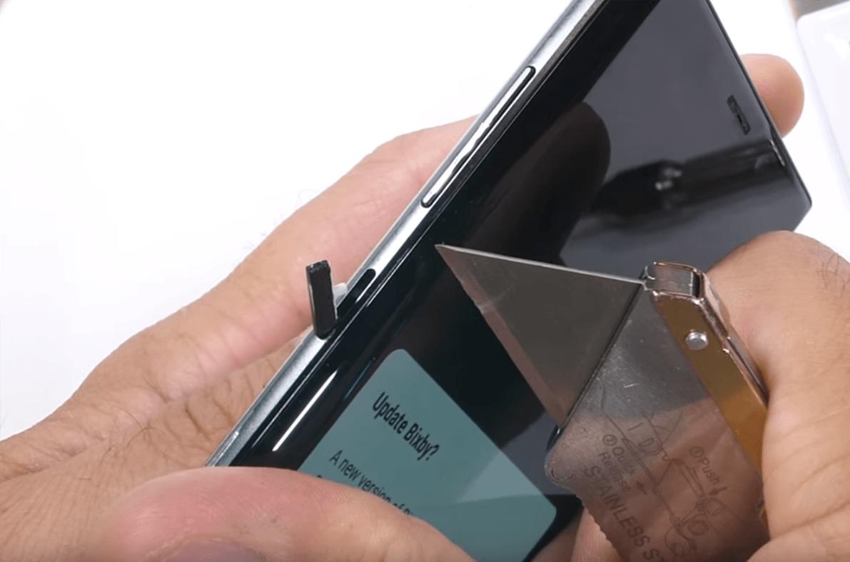 Jeśli nie podoba Ci się przycisk Bixby w Samsungu Galaxy Note 9, możesz go po prostu... wyciągnąć 23