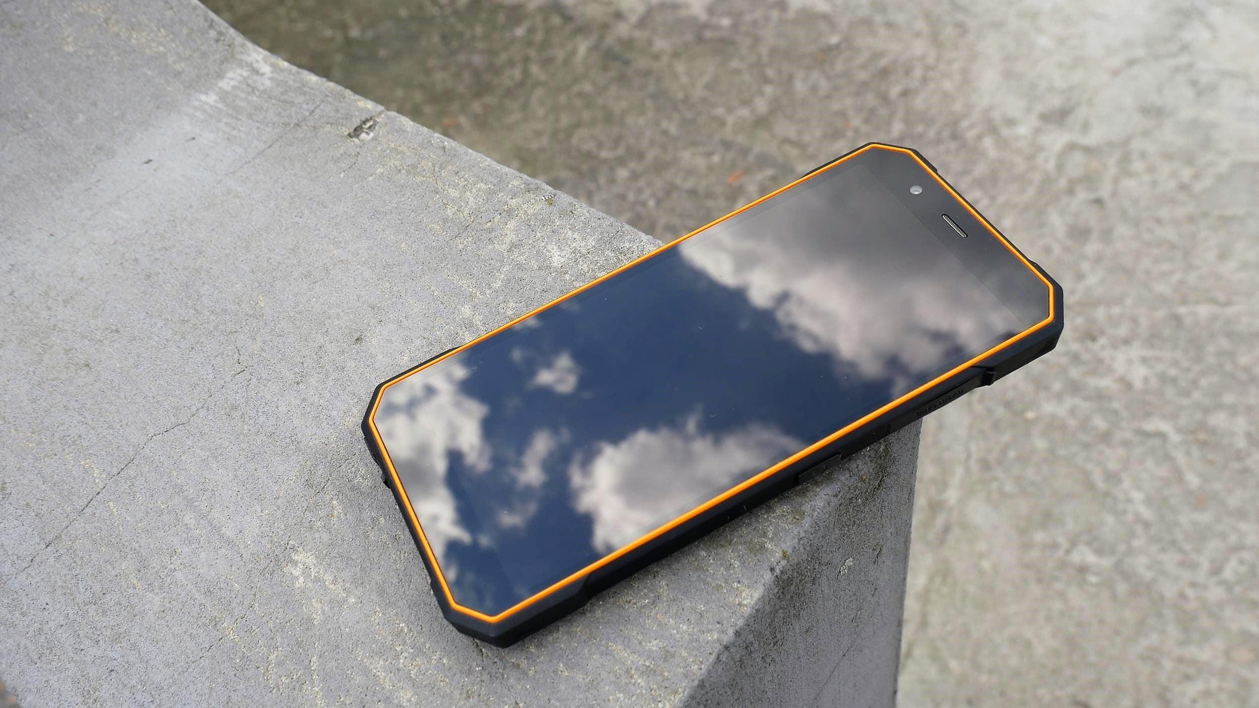 Tabletowo.pl Recenzja Hammer Energy 18x9 - wytrzymałego smartfona idącego z duchem czasu Android myPhone Recenzje Smartfony