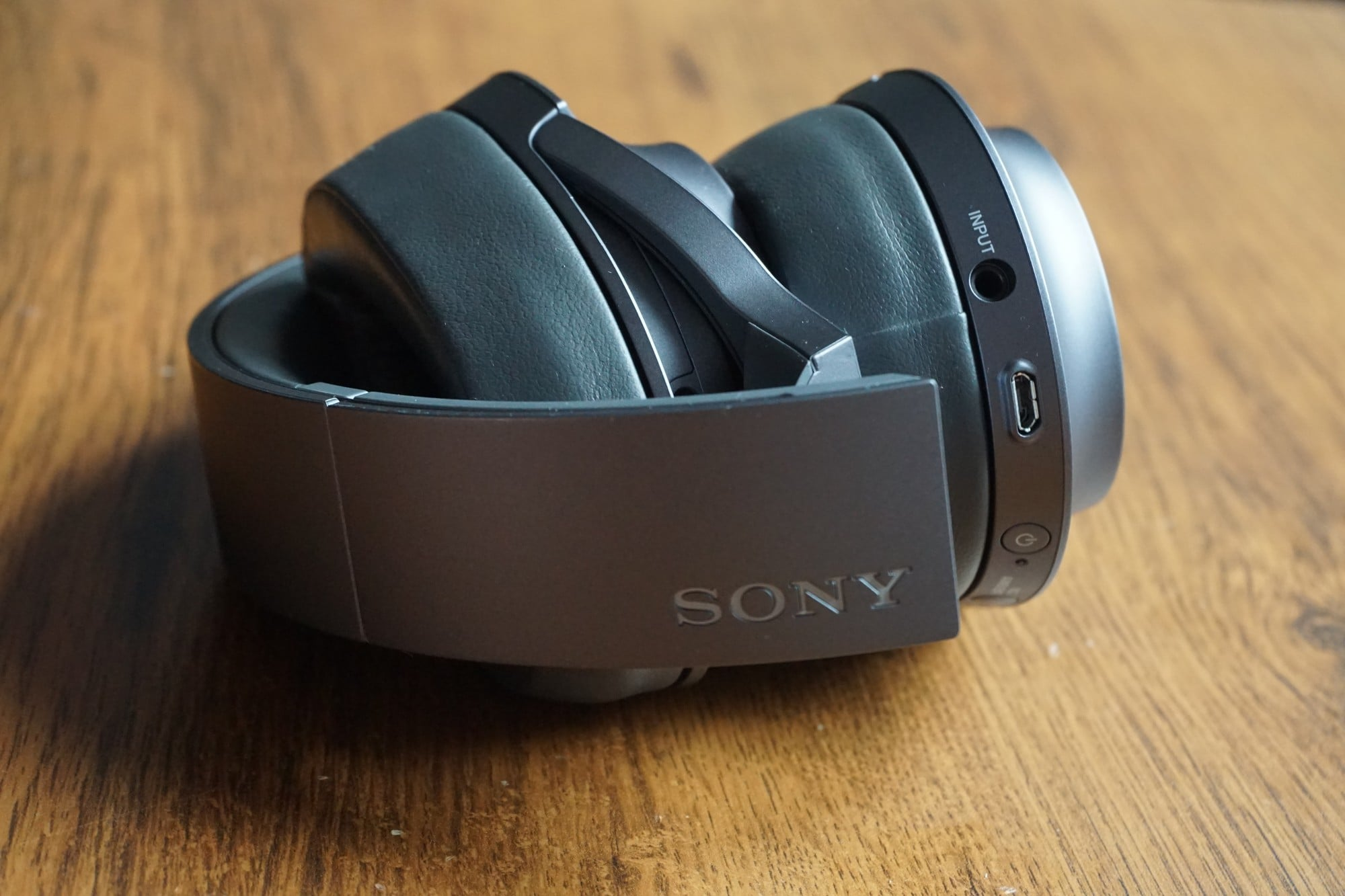Recenzja Sony h.ear on 2 - kompletne słuchawki mobilne, które nie walczą o tytuł urządzenia idealnego 36