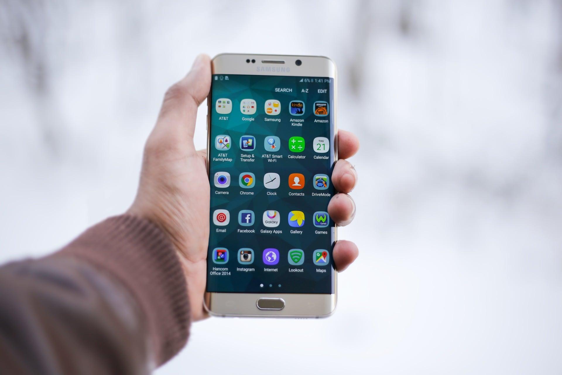 Jak wygląda lista aplikacji, które zawsze muszę mieć na smartfonie? 30