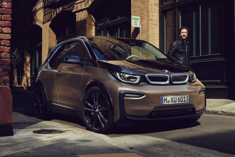 Tabletowo.pl Nowe BMW i3 - niewielkim samochodem elektrycznym można przejechać prawie 250 kilometrów na jednym ładowaniu Moto Nowości