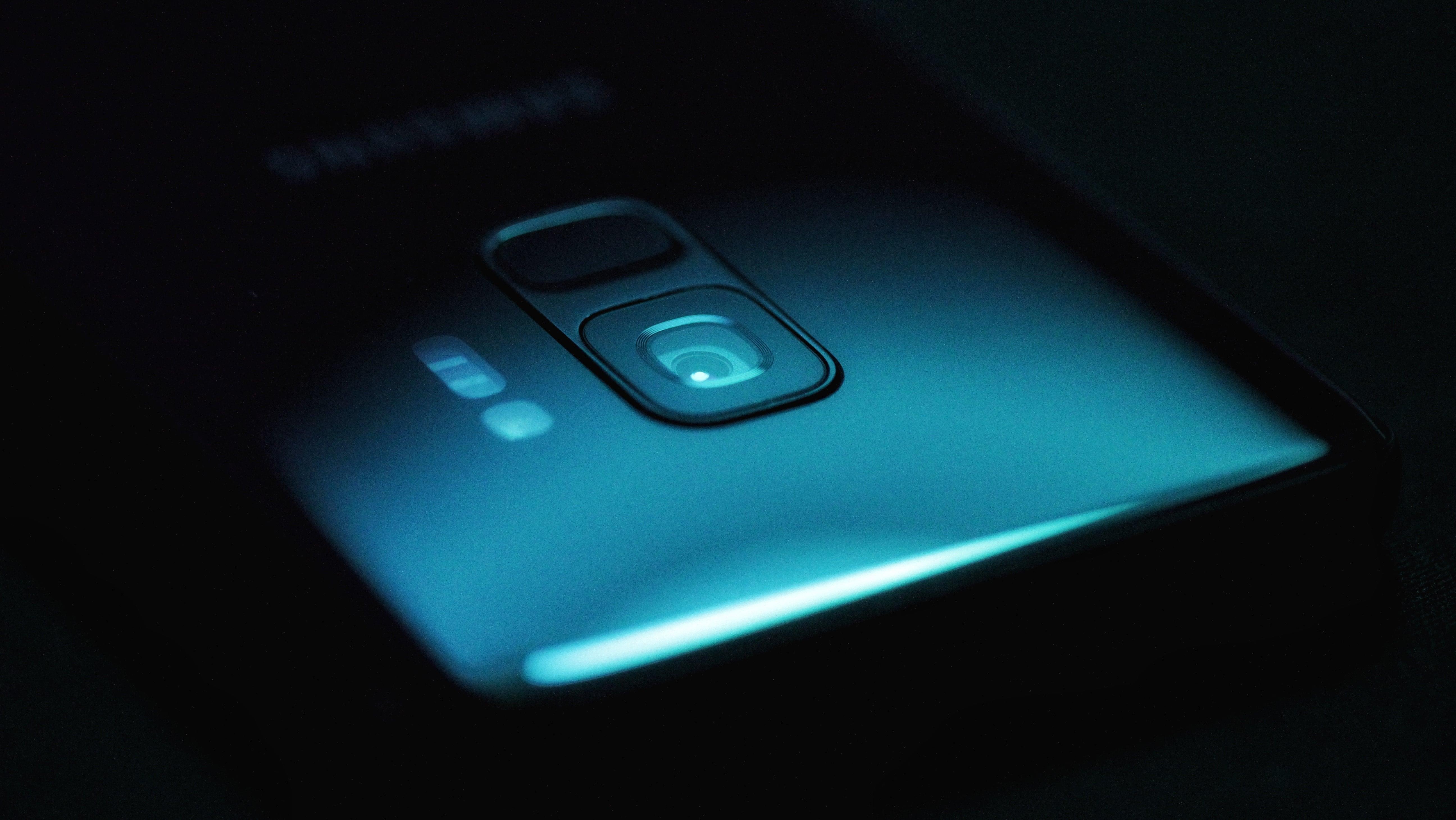 Tryb Super Slo-Motion i AR Emoji z Galaxy S9 trafia na poprzednią generację flagowców Samsunga 19