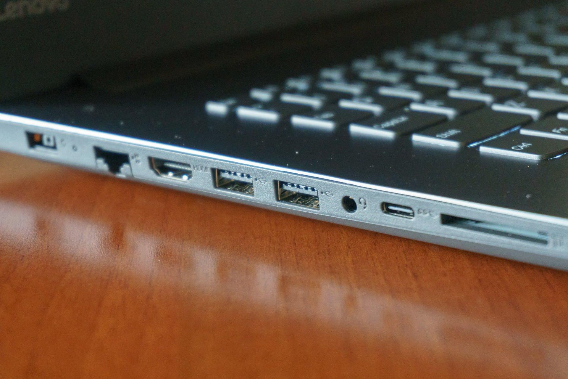 Tabletowo.pl Recenzja Lenovo IdeaPad 330-17ICH – zwykły plecak nie wystarczy Lenovo Recenzje