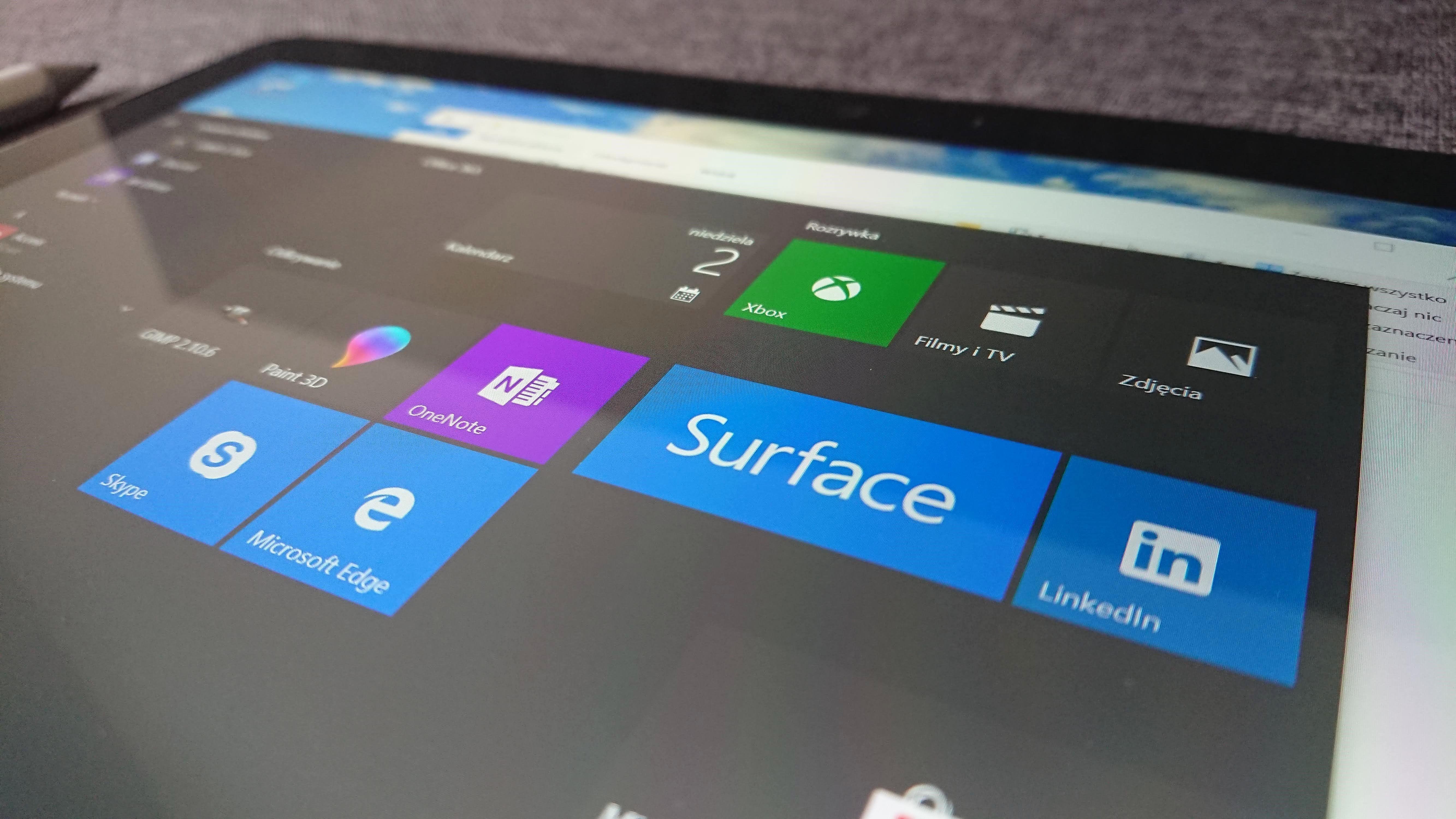 Tabletowo.pl Recenzja Microsoft Surface Go. Dobry iPad z Windowsem i problemami egzystencjalnymi Hybrydy Laptopy Microsoft Recenzje Sprzęt Tablety