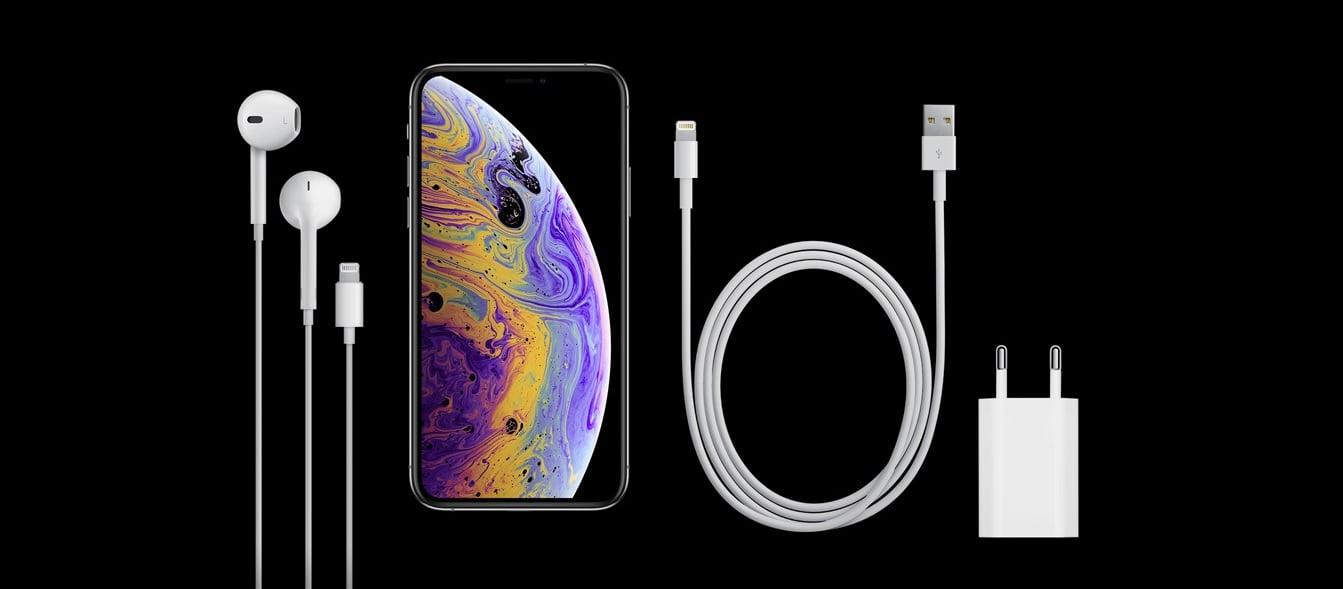 Apple dalej strzyże klientów - zestaw akcesoriów w pudełku do tegorocznych iPhone'ów to jakaś kpina 21