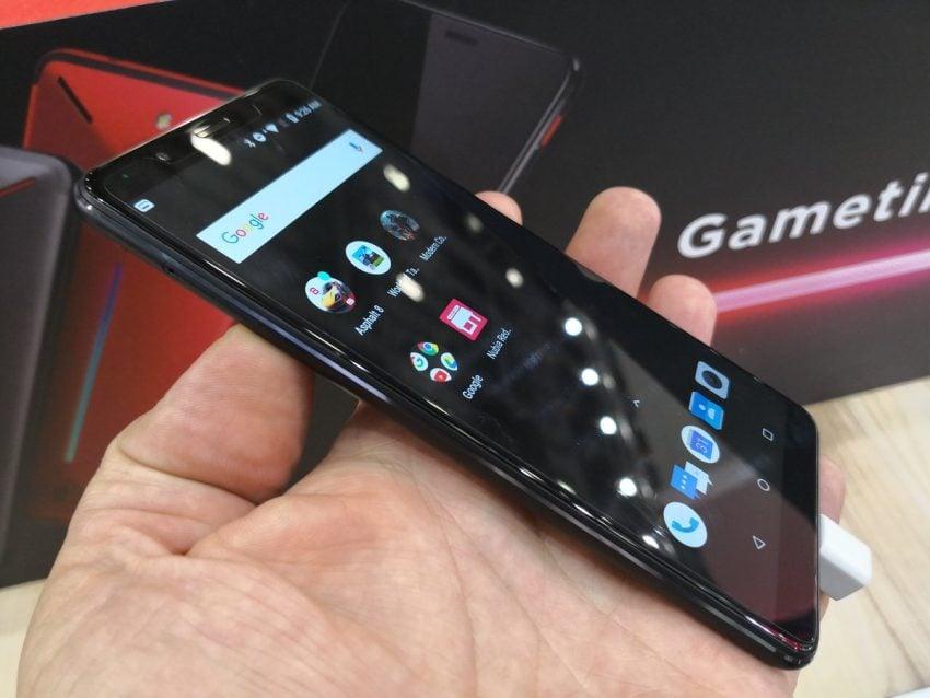 Nadchodzą następcy gamingowych smartfonów. Nubia szykuje Red Magic 2, a Razer zapowiada drugą generację Razer Phone'a 21
