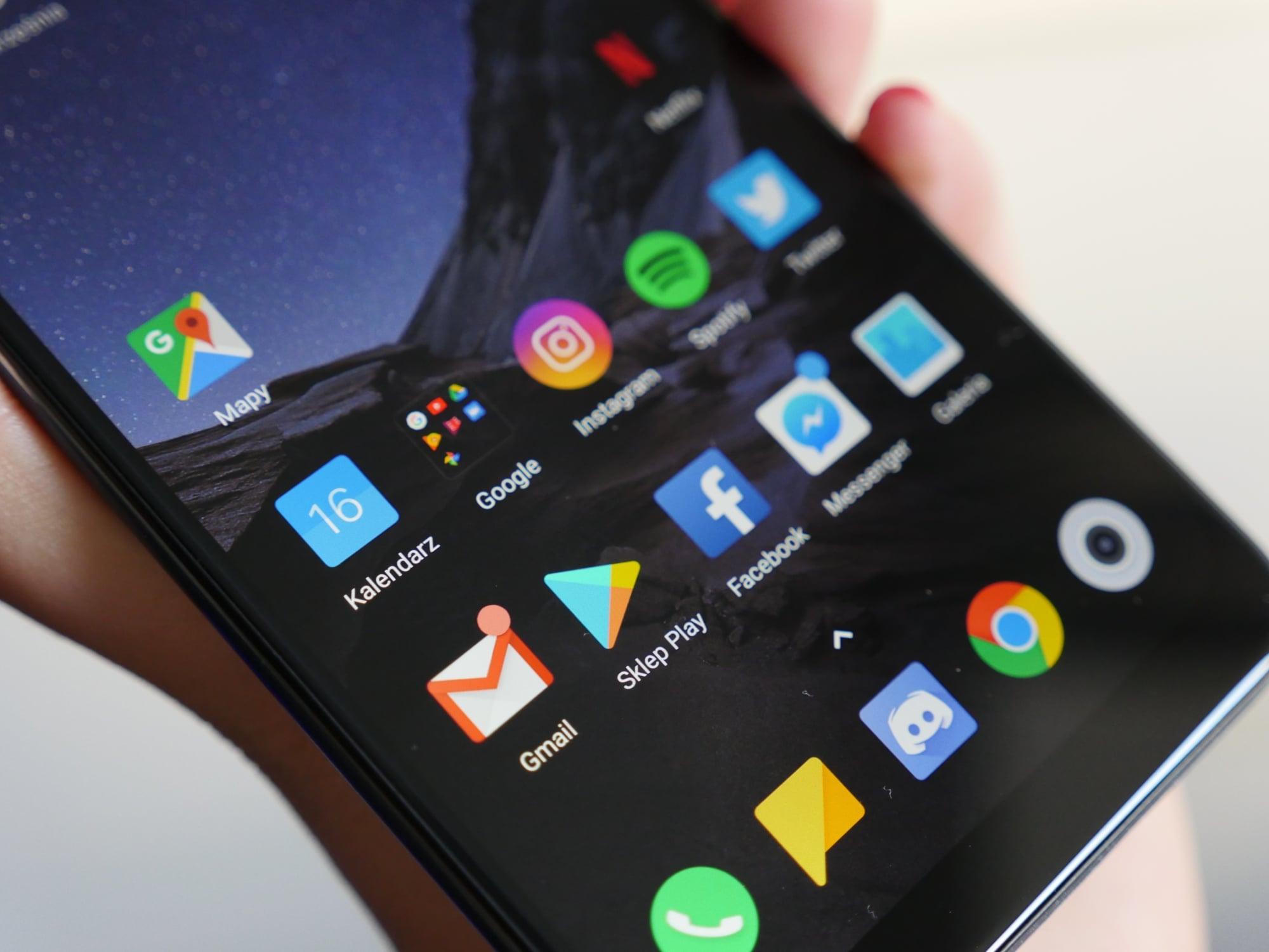 Nadciąga spora aktualizacja dla Pocophone F1. Da możliwość nagrywania wideo w 4K 60 FPS i oglądania Netflixa w HD 31