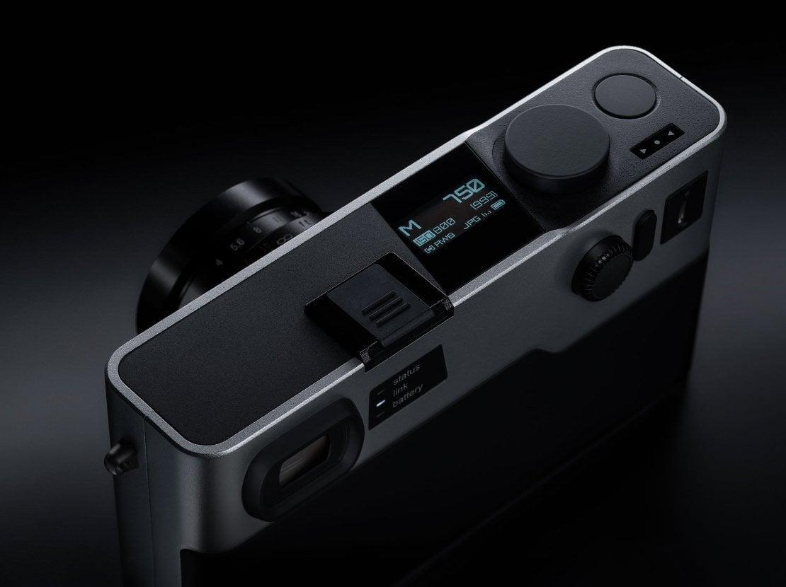 Tabletowo.pl PIXII - dalmierzowy aparat fotograficzny przeznaczony do współpracy ze smartfonem Nowości