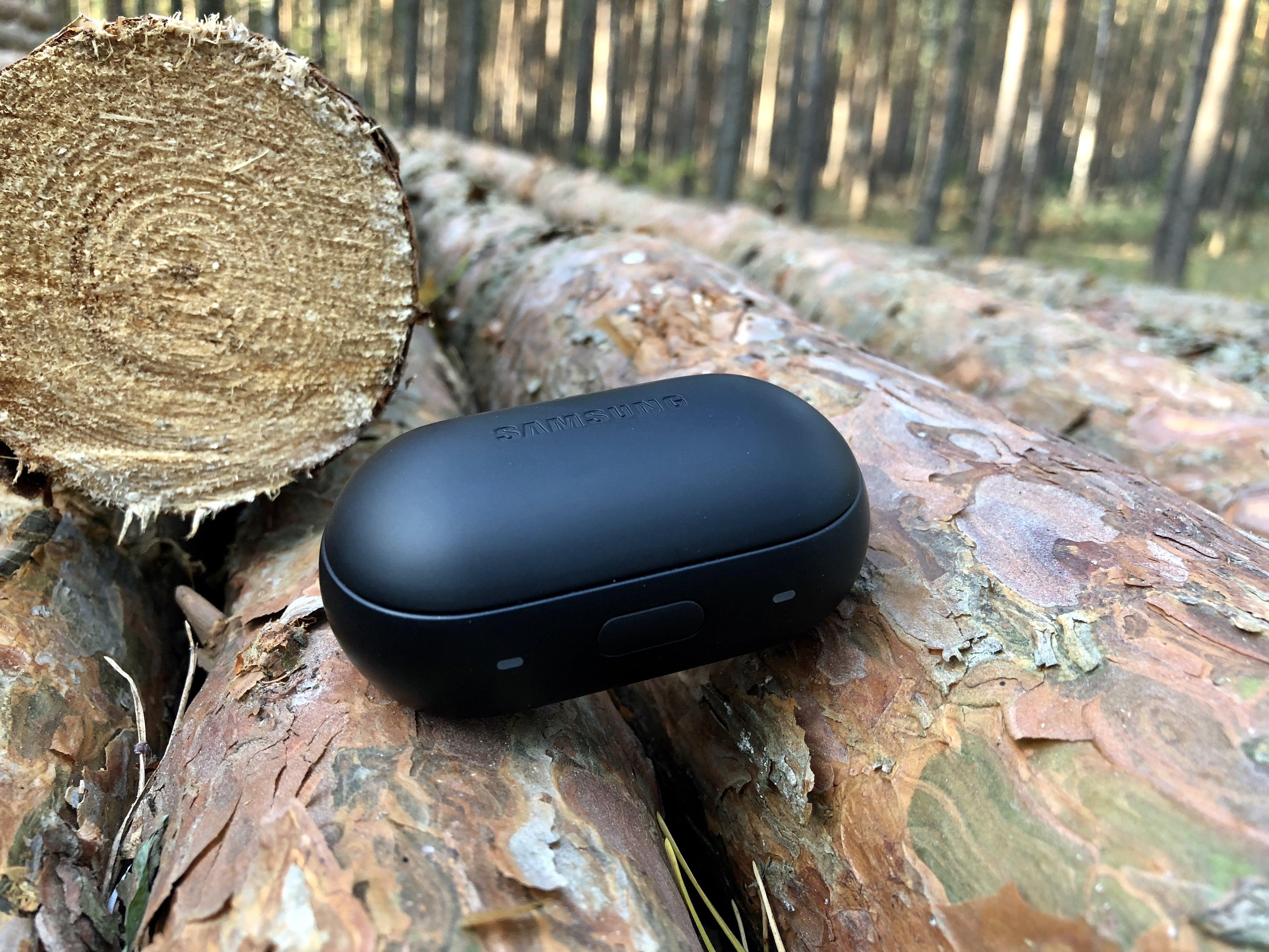 Tabletowo.pl Recenzja Samsung Gear IconX (2018) - małe słuchawki, zaskakująco dużo funkcji Akcesoria Audio Recenzje Samsung