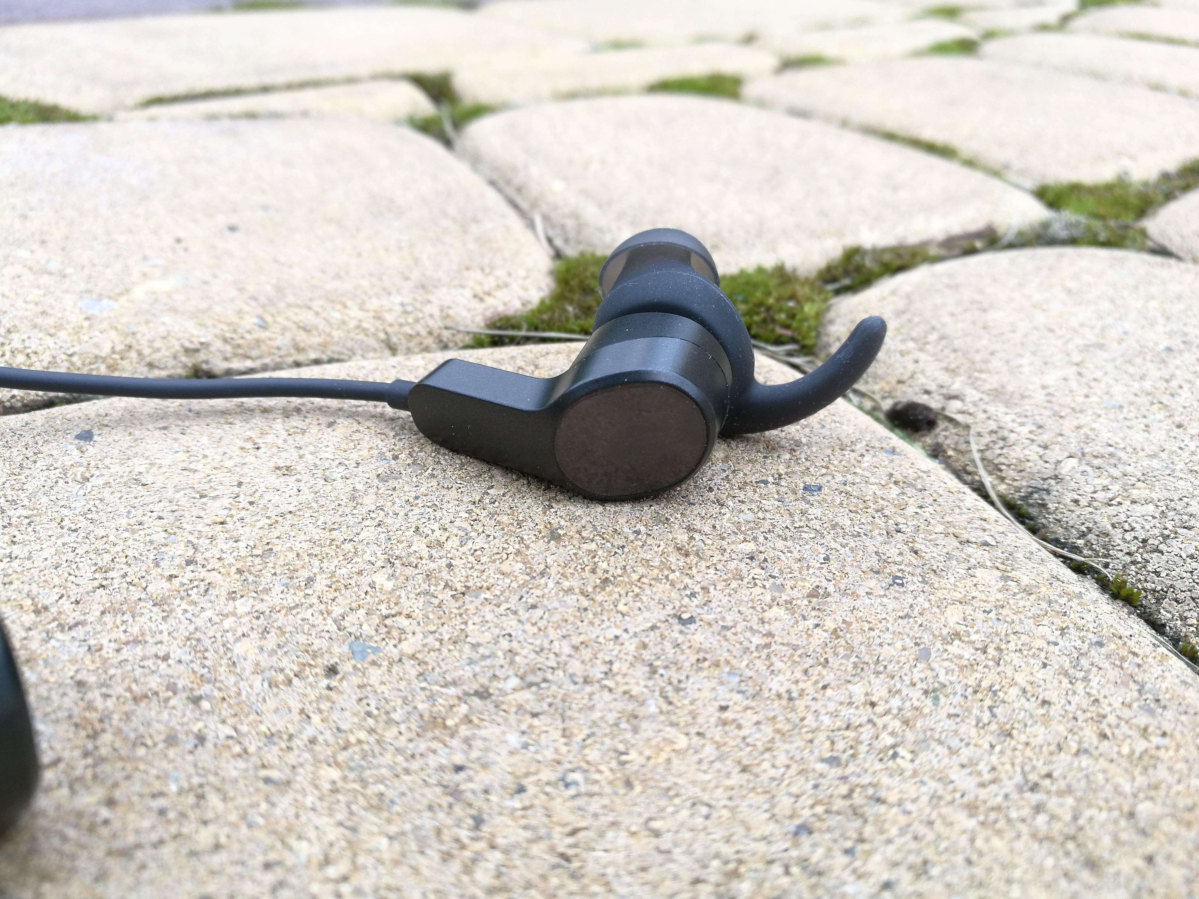 Tabletowo.pl Recenzja Huawei AM60 - lekkich, dość tanich i nieźle grających słuchawek bezprzewodowych Audio Huawei Recenzje