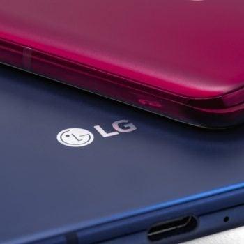 LG V40 ThinQ LG logo