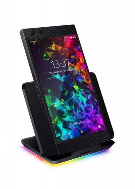 Tabletowo.pl Razer Phone 2 już jest. Z lepszym chłodzeniem procesora i świecącym logo - jak na gamingowy smartfon przystało Android Nowości Smartfony