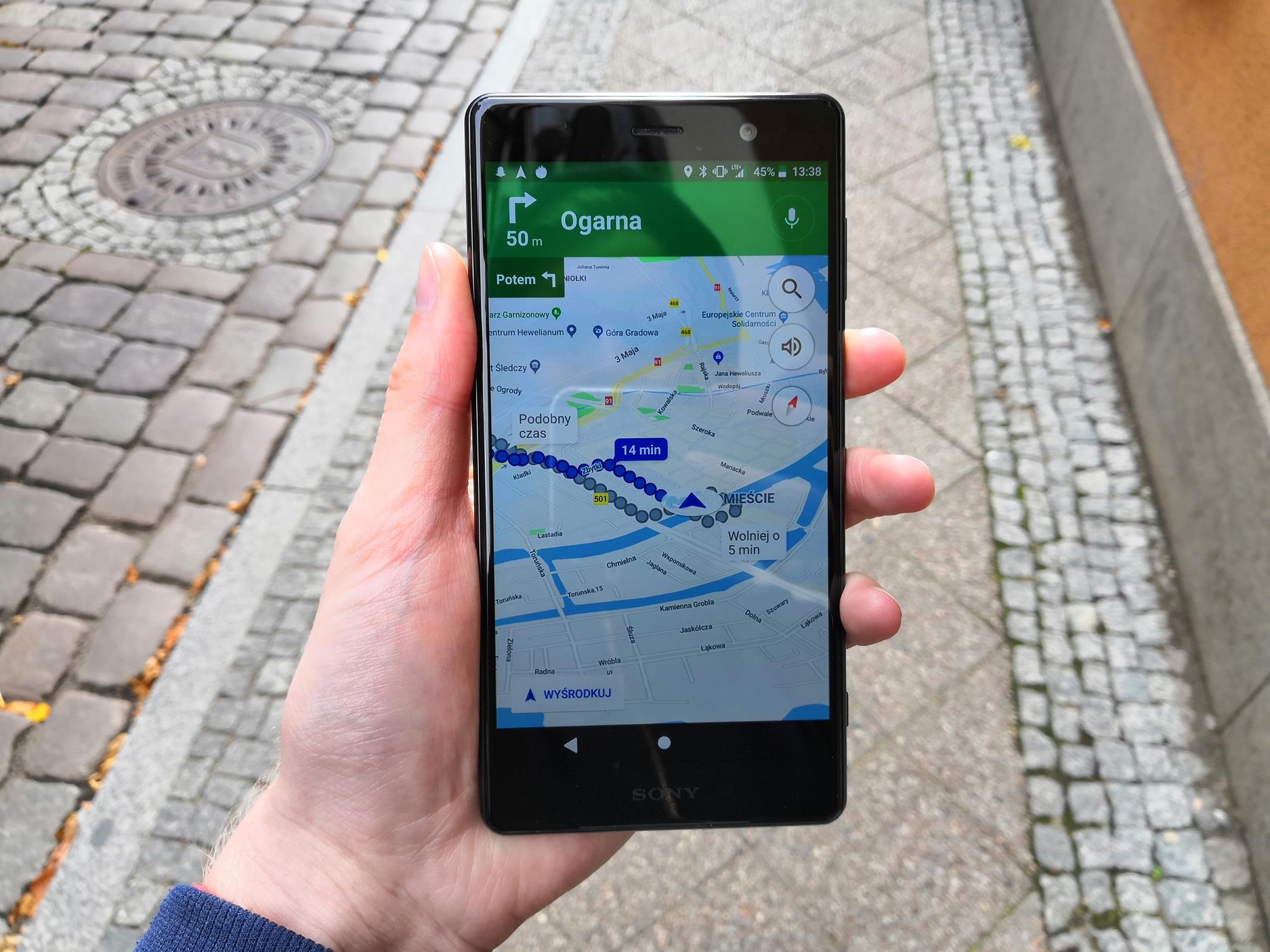 Recenzja Sony Xperia XZ2 Premium. Test superflagowca zamkniętego w tradycyjną obudowę 39