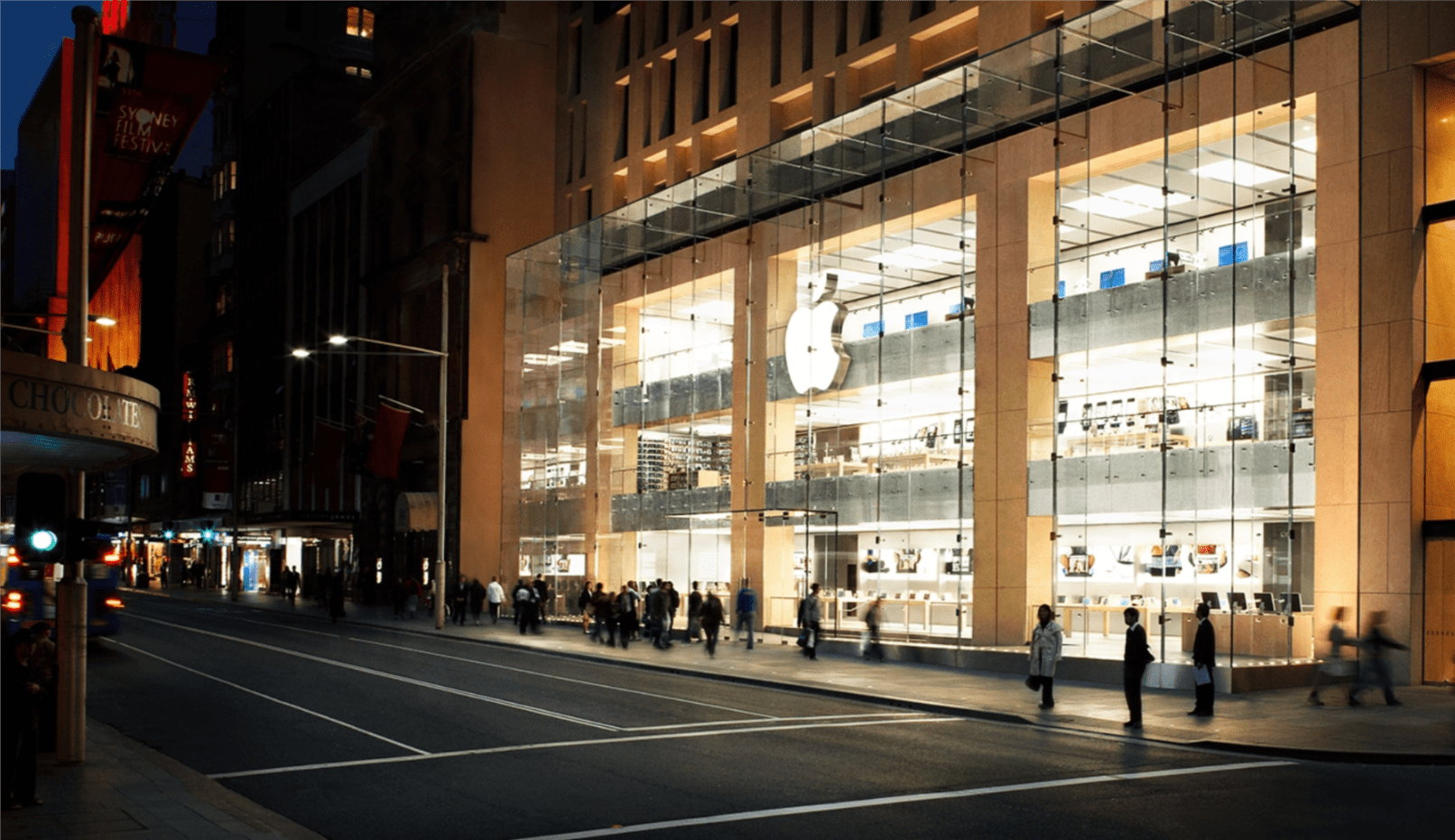 """Tabletowo.pl """"Emejzing"""", który przemija? iPhone XR trafia do sprzedaży, ale przed Apple Store w Sydney nie ma żadnych kolejek Apple iOS Nowości Smartfony"""