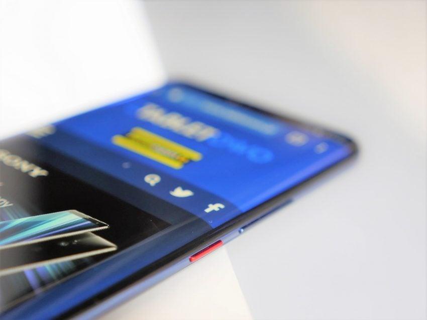 Huawei Mate 20 Pro - ultraszeroki kąt w aparacie, indukcyjne ładowanie, czytnik w (zakrzywionym) ekranie i wiele więcej. Pierwsze wrażenia 38