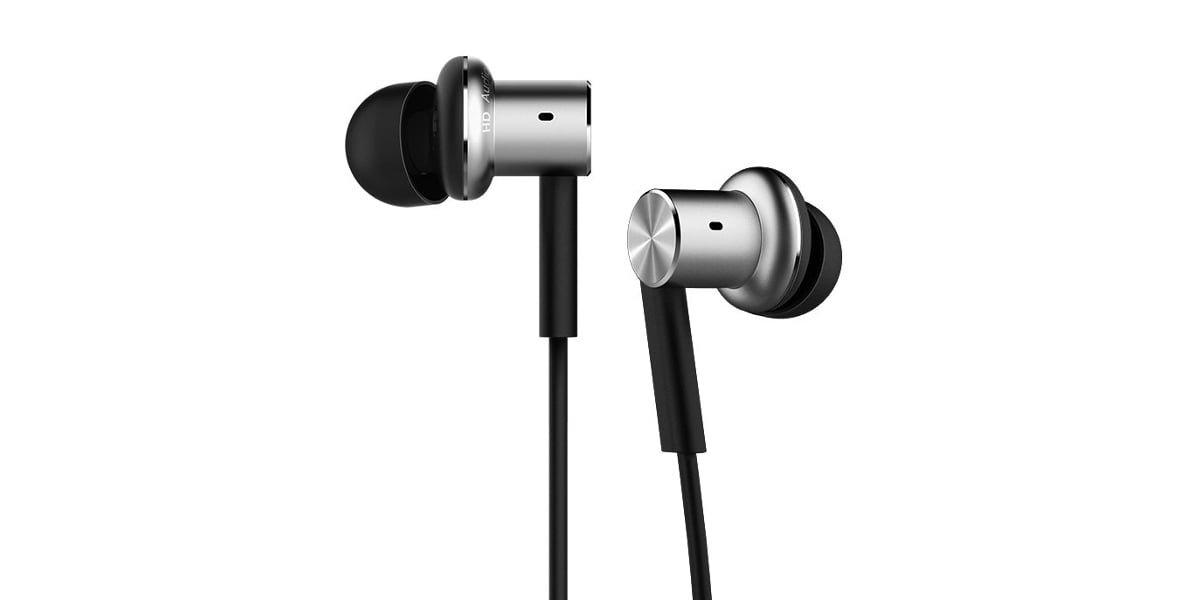 Tabletowo.pl Błyskawiczna wyprzedaż w poniedziałek: Mi In-Ear Headphones Pro za 75 złotych Audio Promocje Xiaomi