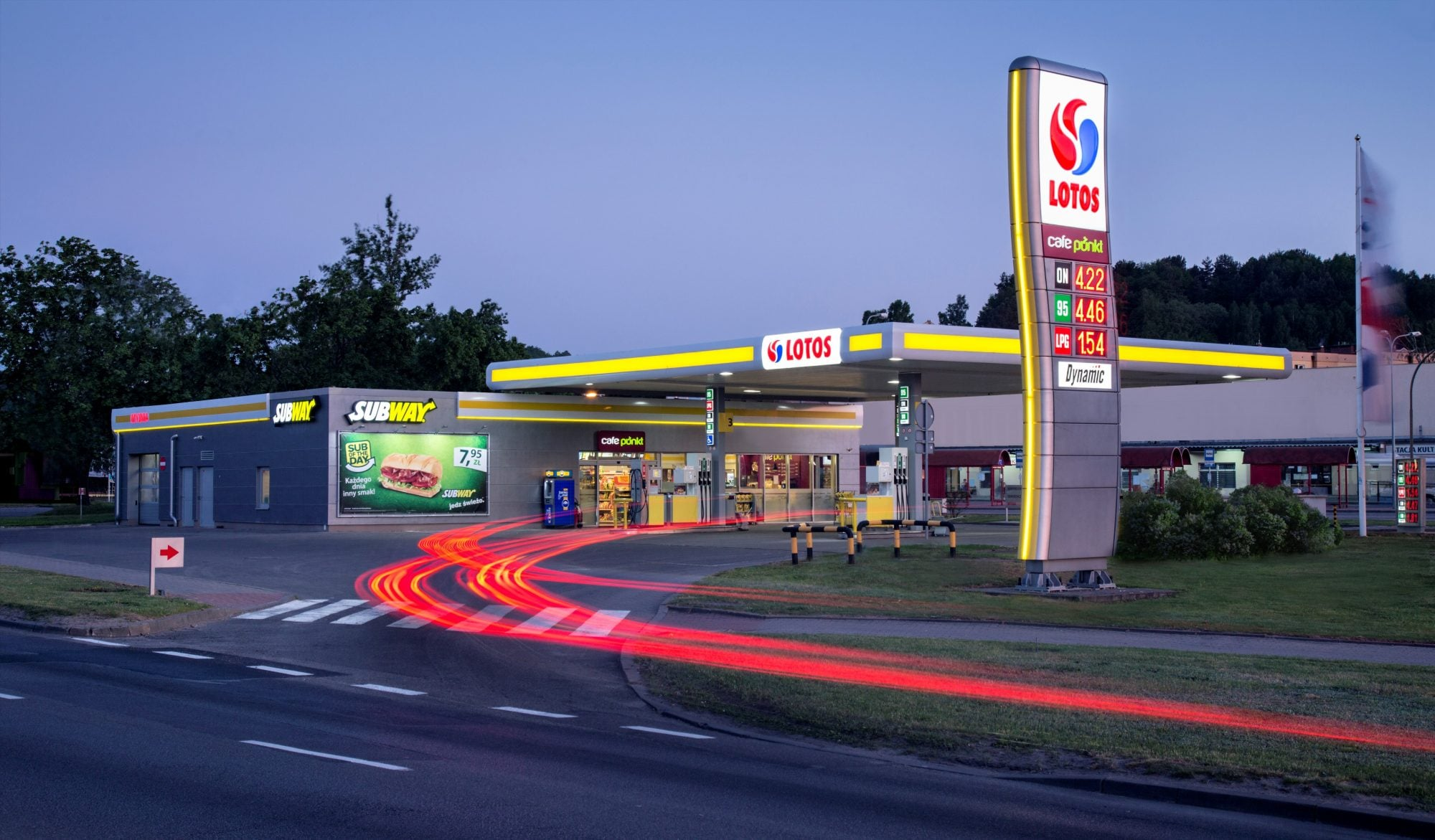 Lotos wprowadza opłaty za tankowanie pojazdów elektrycznych 17