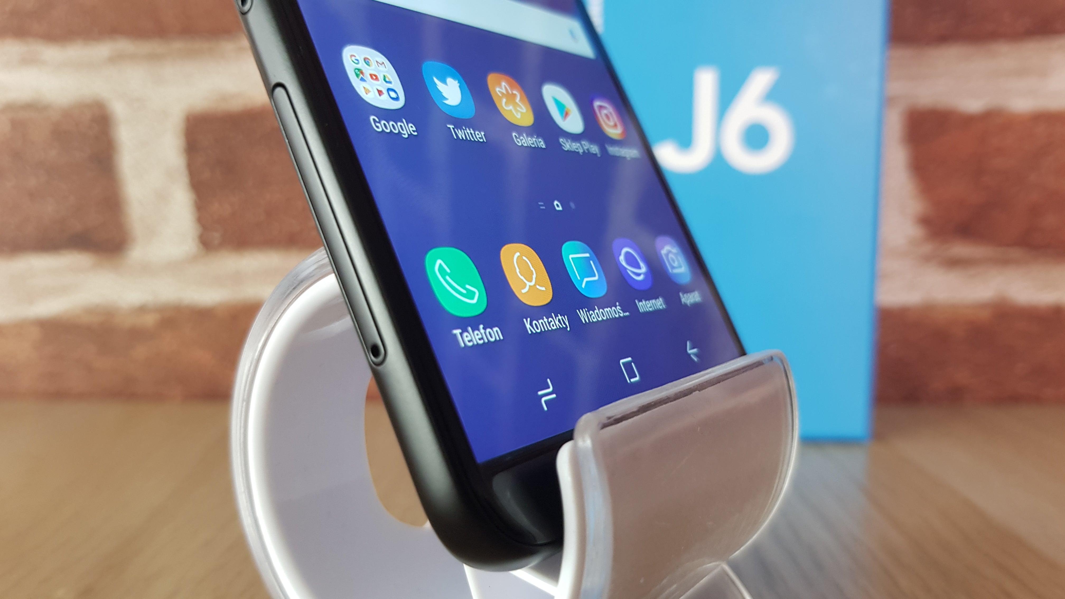 Tabletowo.pl Recenzja Samsunga Galaxy J6 - ciekawy smartfon, który może nieźle namieszać w ofertach abonamentowych Android Recenzje Samsung Smartfony