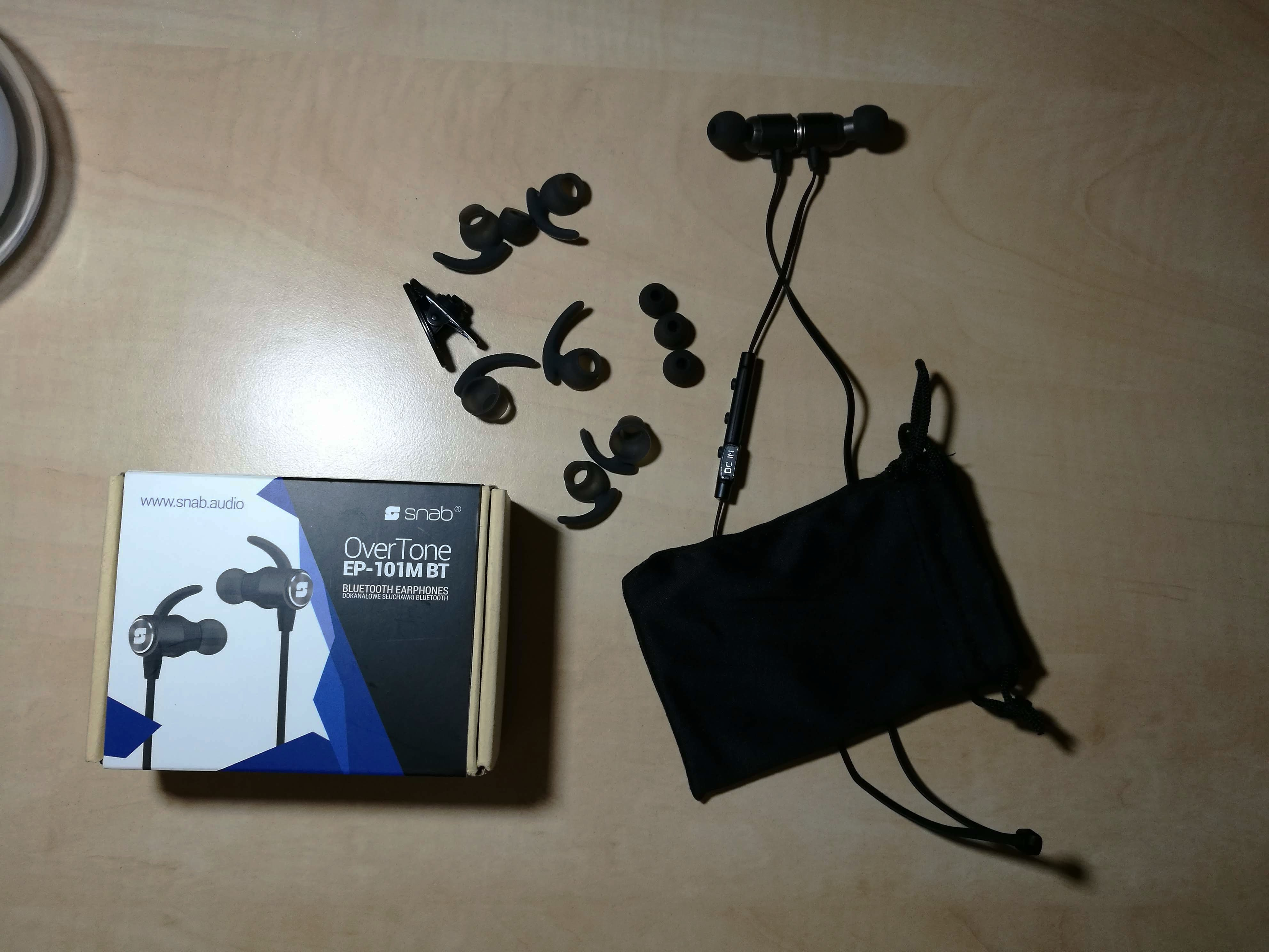 Tabletowo.pl Test dobrych i tanich słuchawek bezprzewodowych Snab Overtone EP-101M BT Audio Recenzje
