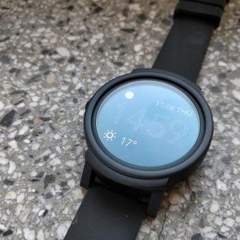 Mobvoi TicWatch E - dobry smartwatch w uczciwej cenie (recenzja)