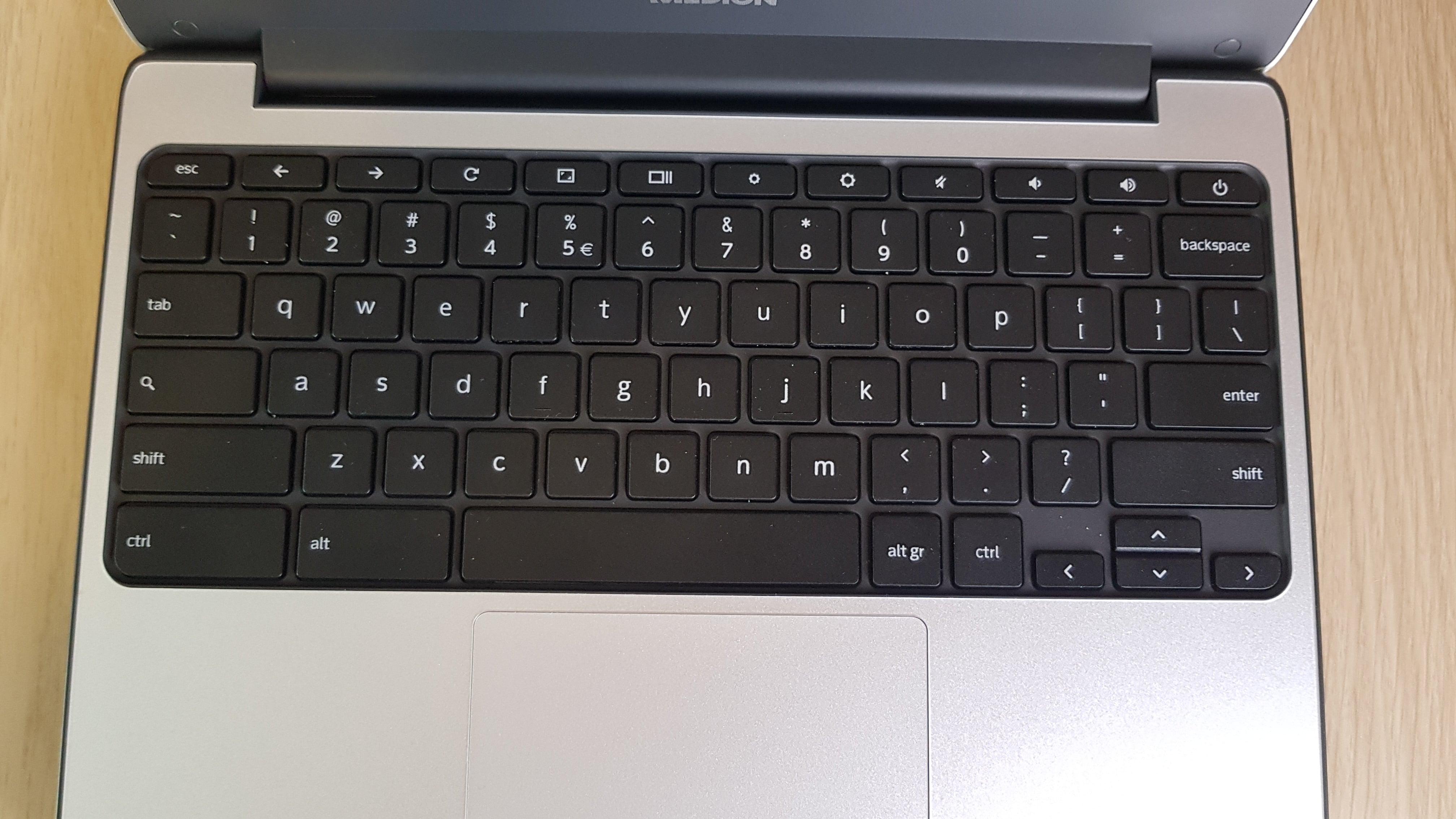 Tabletowo.pl Kupiłem chromebooka za 350 złotych. Pewnie nie uwierzycie, ale to była świetna decyzja Felietony Google Laptopy Medion Opinie Technologie