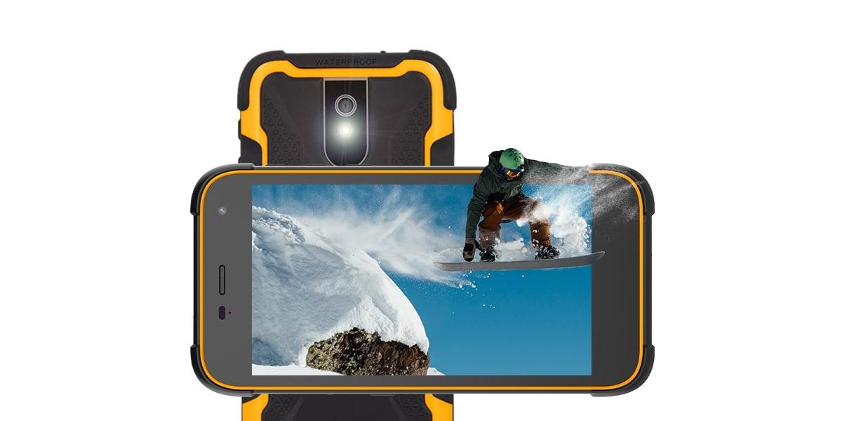 Takiego smartfona jak HAMMER Active 2 LTE jeszcze nie było na rynku. Producent przeciera nowy szlak 23