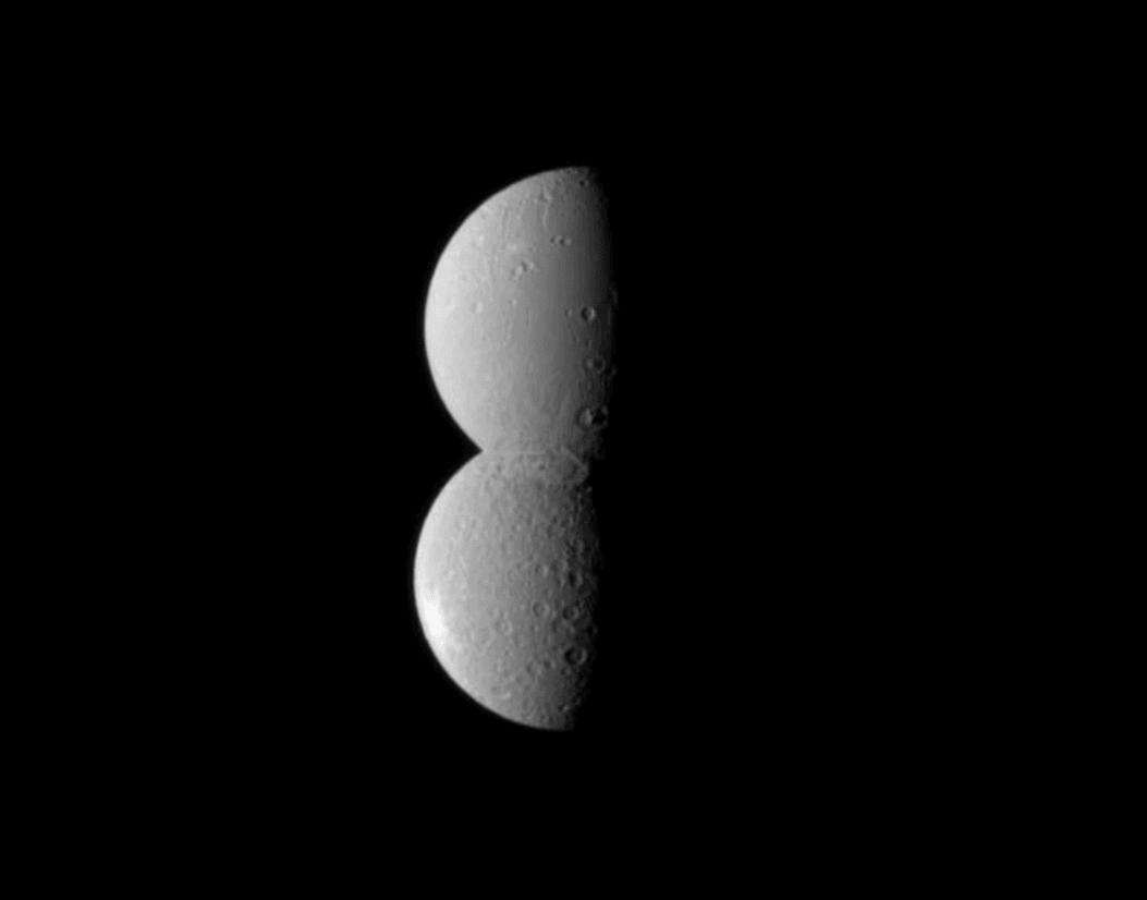 To zdjęcie księżyców Saturna, Dione i Rei, wygląda jak... kosmiczny bałwan (+dzisiaj noc spadających gwiazd!) 22