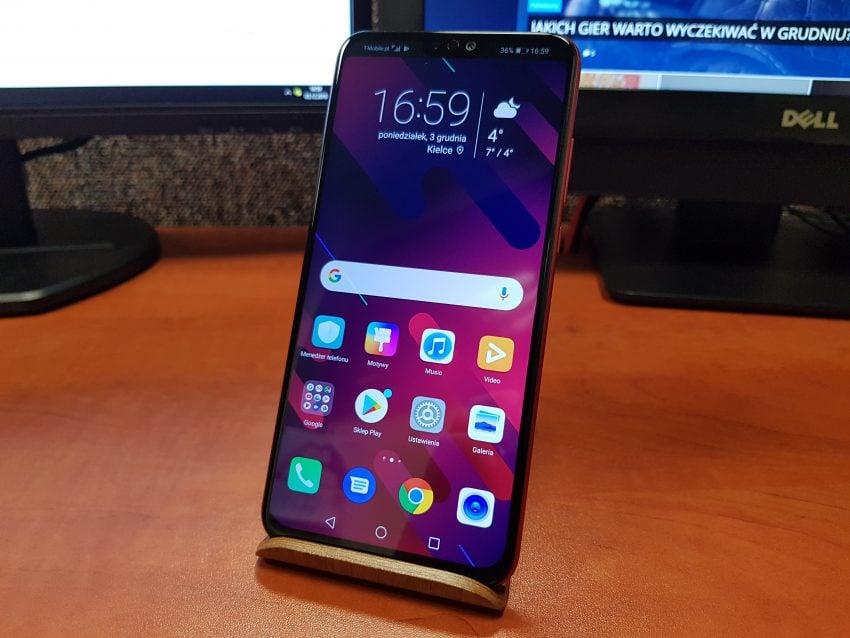 Tabletowo.pl Recenzja Honora 8X - przyzwoitego średniaka w hipnotyzującej czerwieni Android Huawei Recenzje Smartfony